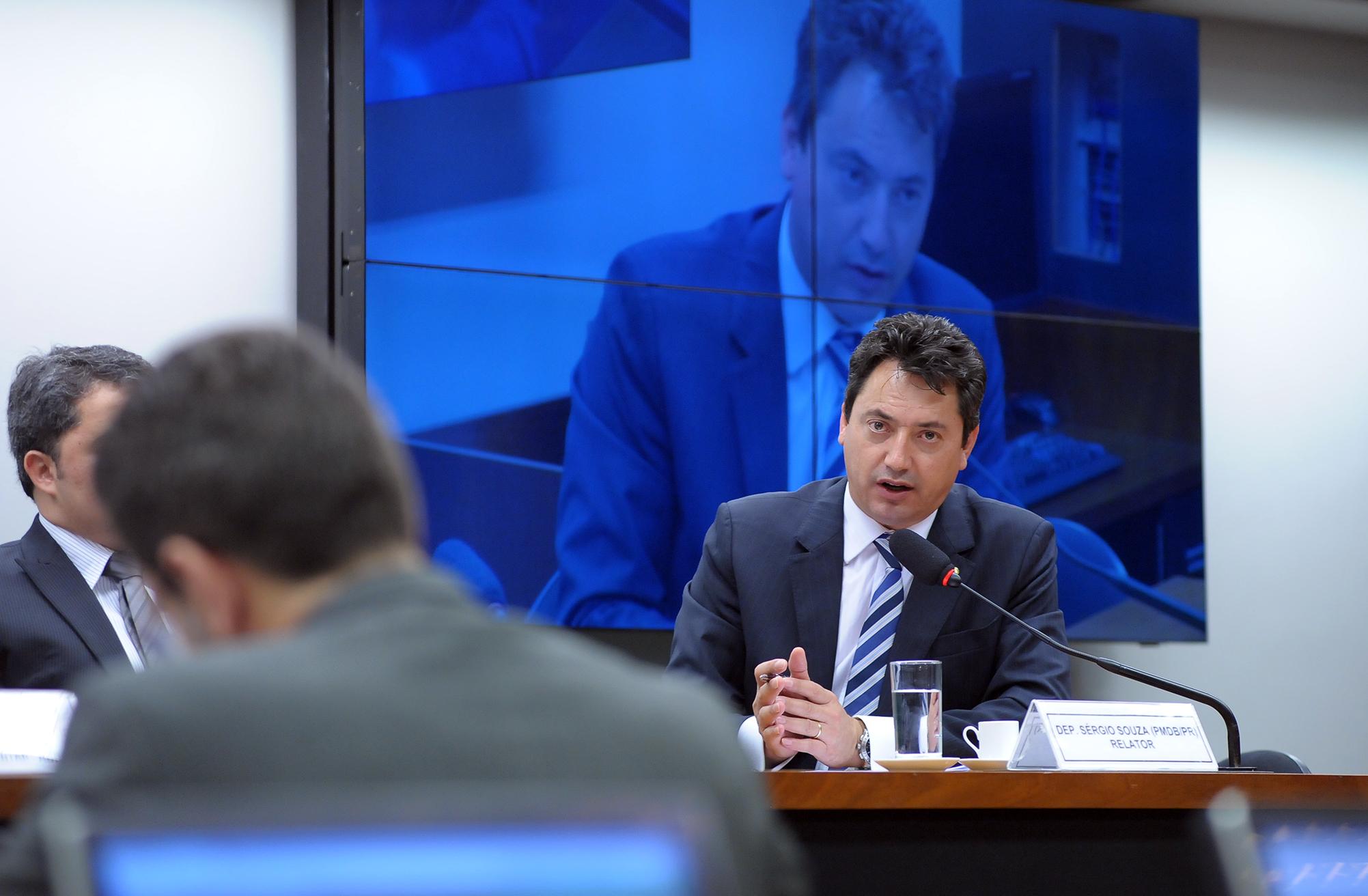 Audiência pública para tomada de depoimento do presidente da Associação Brasileira das Entidades Fechadas de Previdência Complementar (ABRAPP), José Ribeiro Pena Neto. Relator da CPI, dep. Sérgio Souza (PMDB-PR)