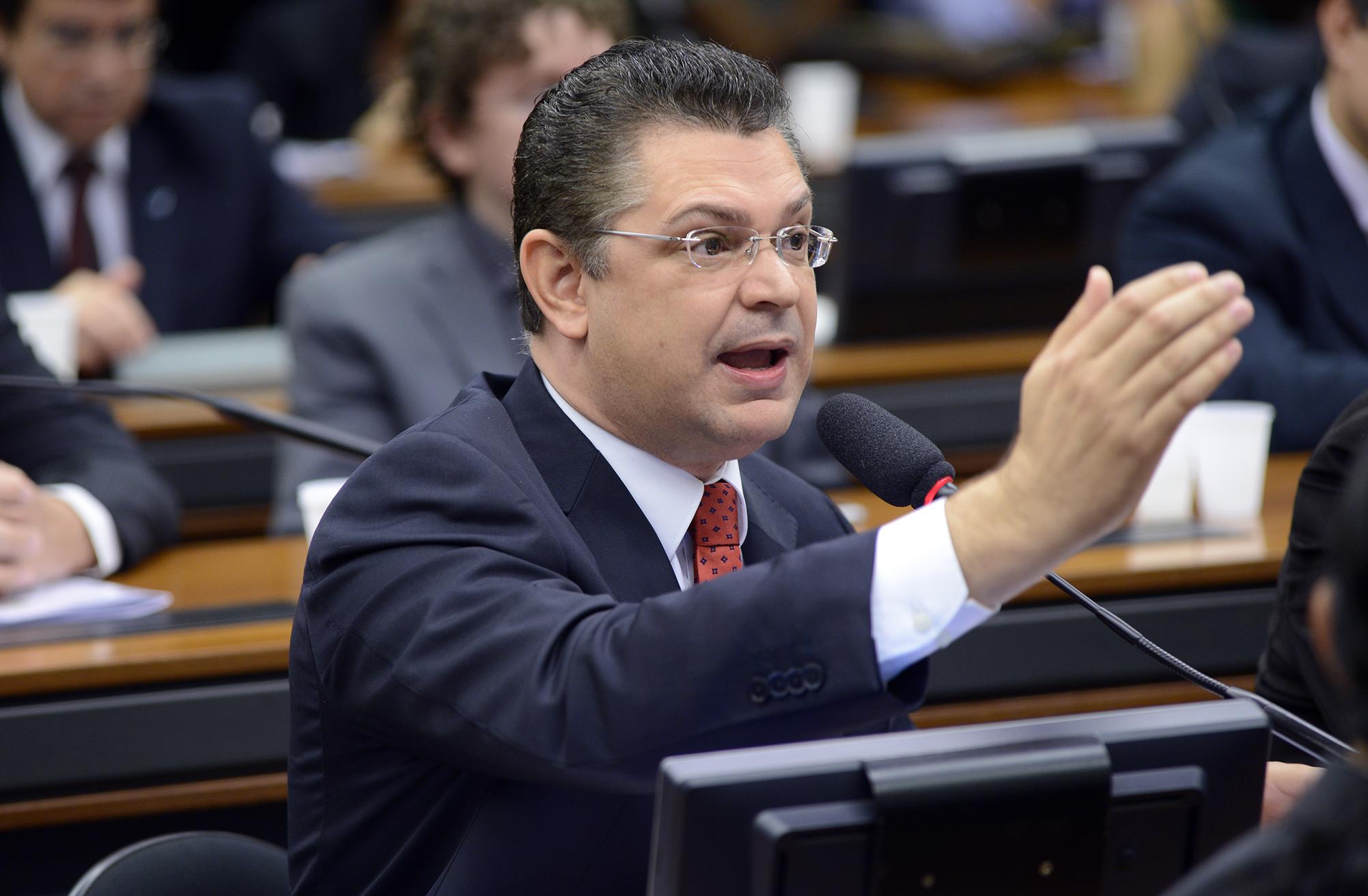 Audiência pública sobre o Projeto de Lei nº 1.775/2015, que dispõe sobre o Registro Civil Nacional (RCN). Dep. Sóstenes Cavalcante (PSD-RJ)
