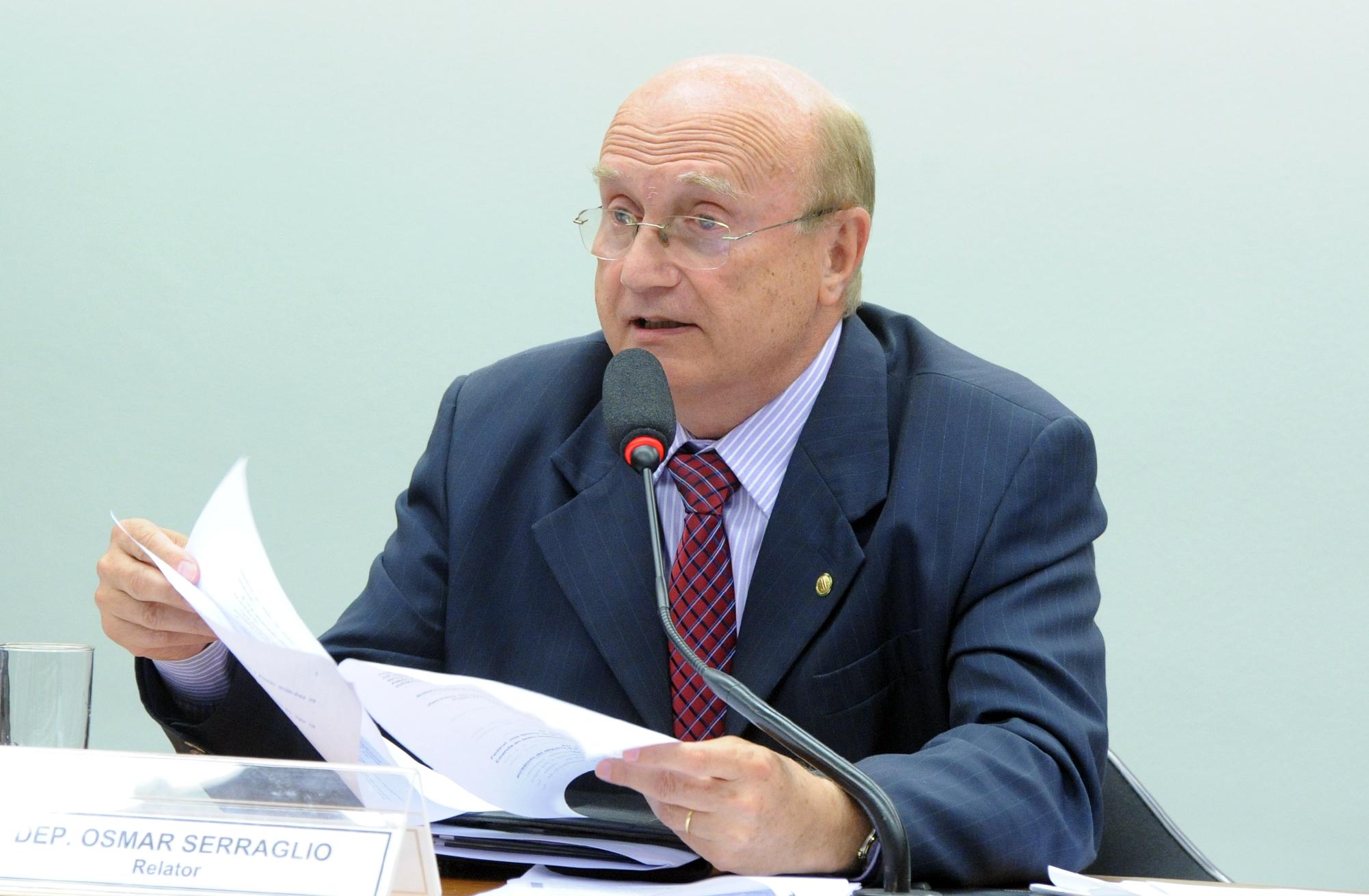 Reunião ordinária para a votação do parecer à PEC 215/00. dep. Osmar Serraglio (PMDB-PR)