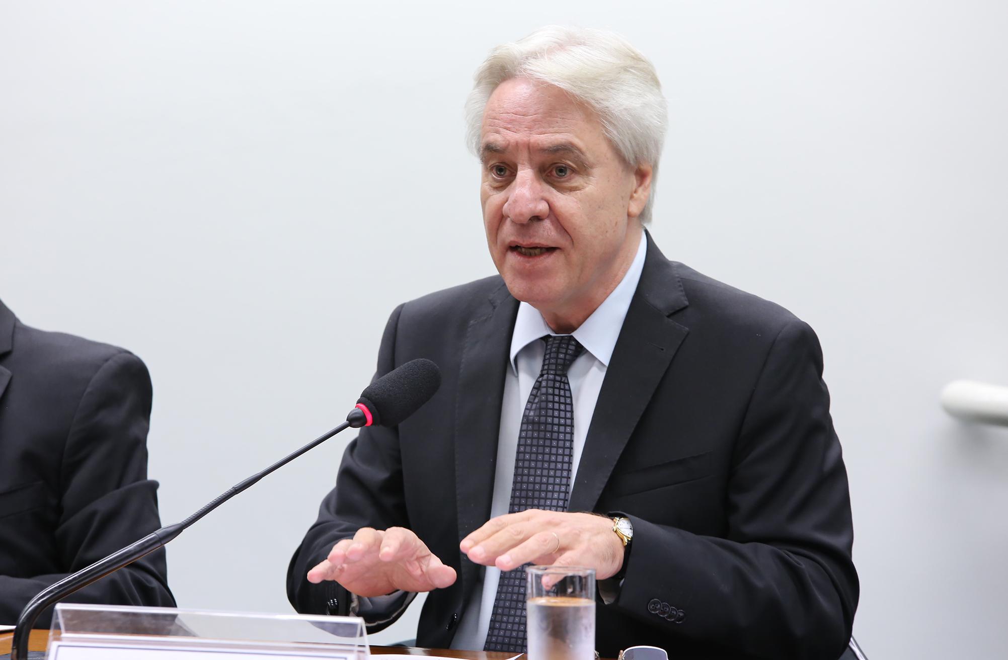 Audiência Pública. Presidente do Tribunal Superior do Trabalho, ministro Antonio José de Barros Levenhagen