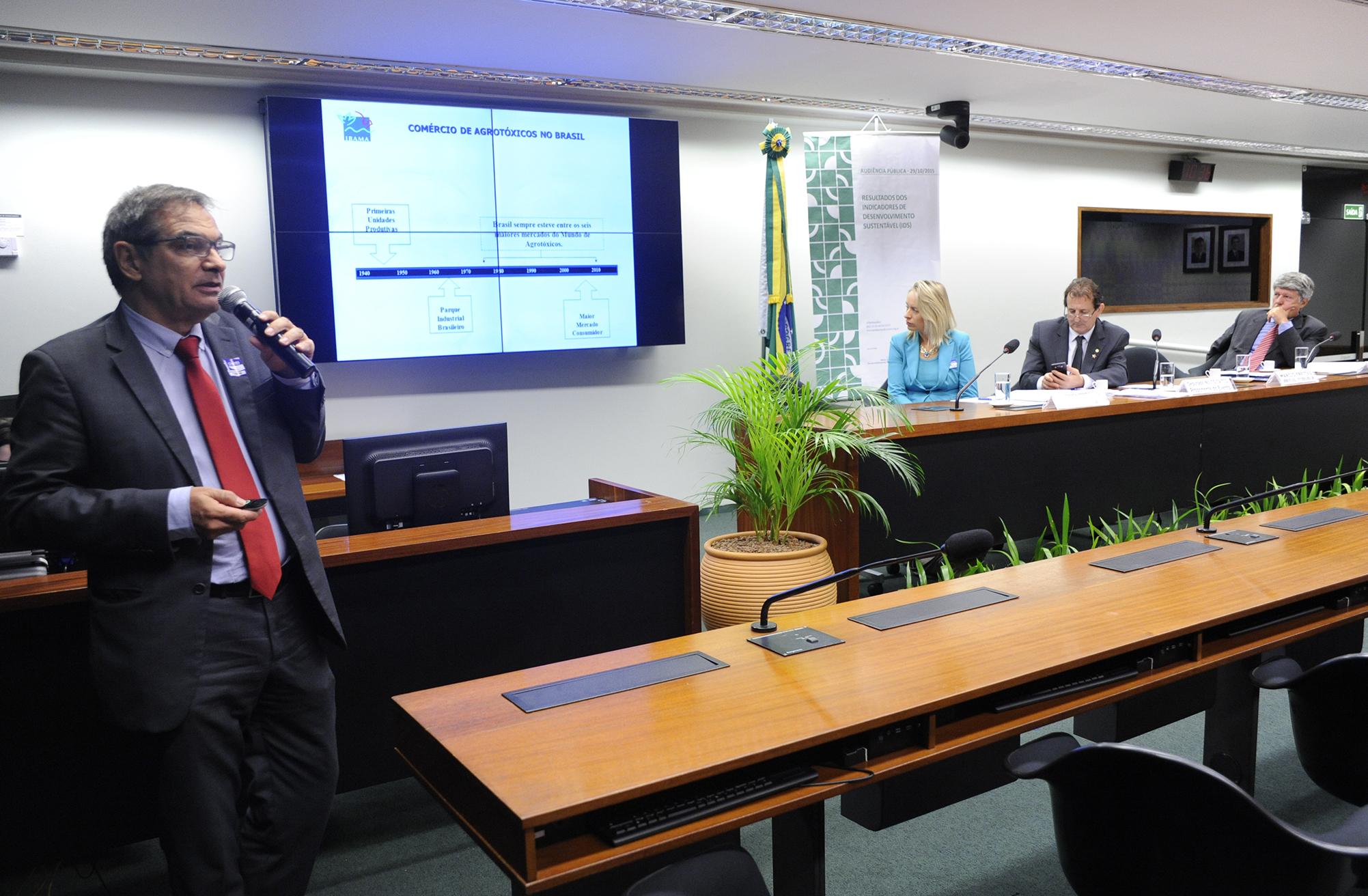 Audiência pública sobre os resultados dos Indicadores de Desenvolvimento Sustentável (IDS). Coordenador geral de Avaliação e Controle de Substancias Quimicas do Instituto Brasileiro dos Recursos Naturais Renováveis (IBAMA), Márcio Freitas