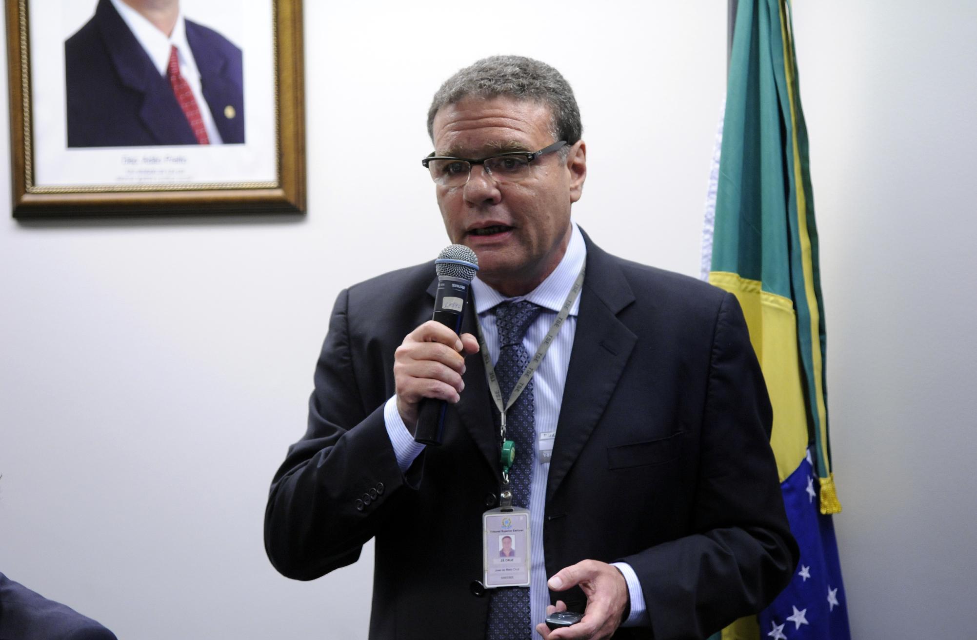 Audiência pública sobre o Sistema de Votação Eletrônica. Coordenador de Sistemas Eleitorais do TSE, José de Melo Cruz