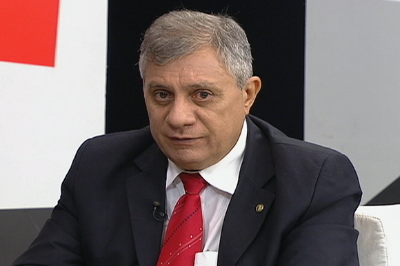 Capa Parlamentar critica suspensão do seguro defeso