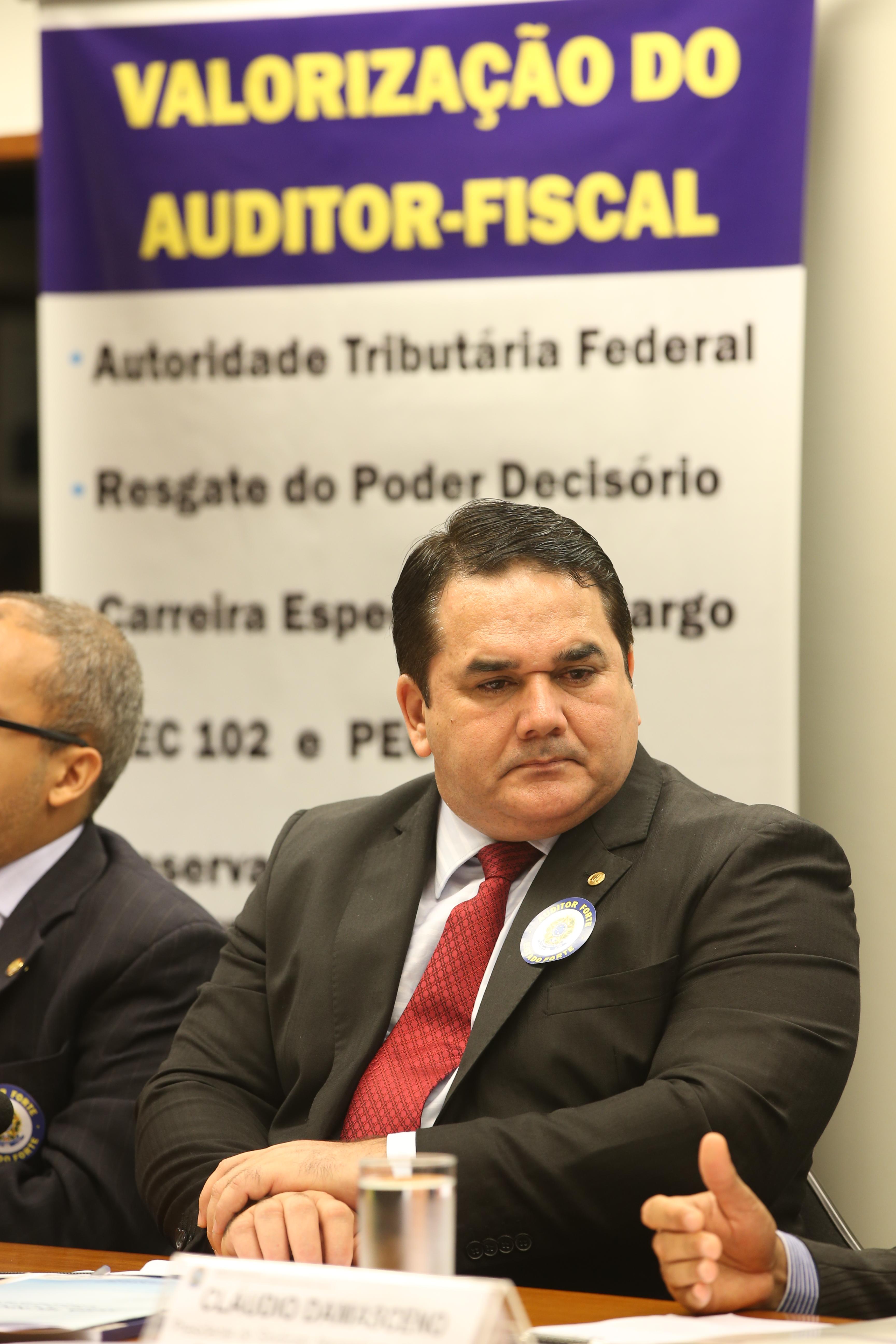 As atribuições, condições, dificuldades do exercício da atividade de Auditor da Receita Federal do Brasil. Dep. Cabo Sabino - PR/CE
