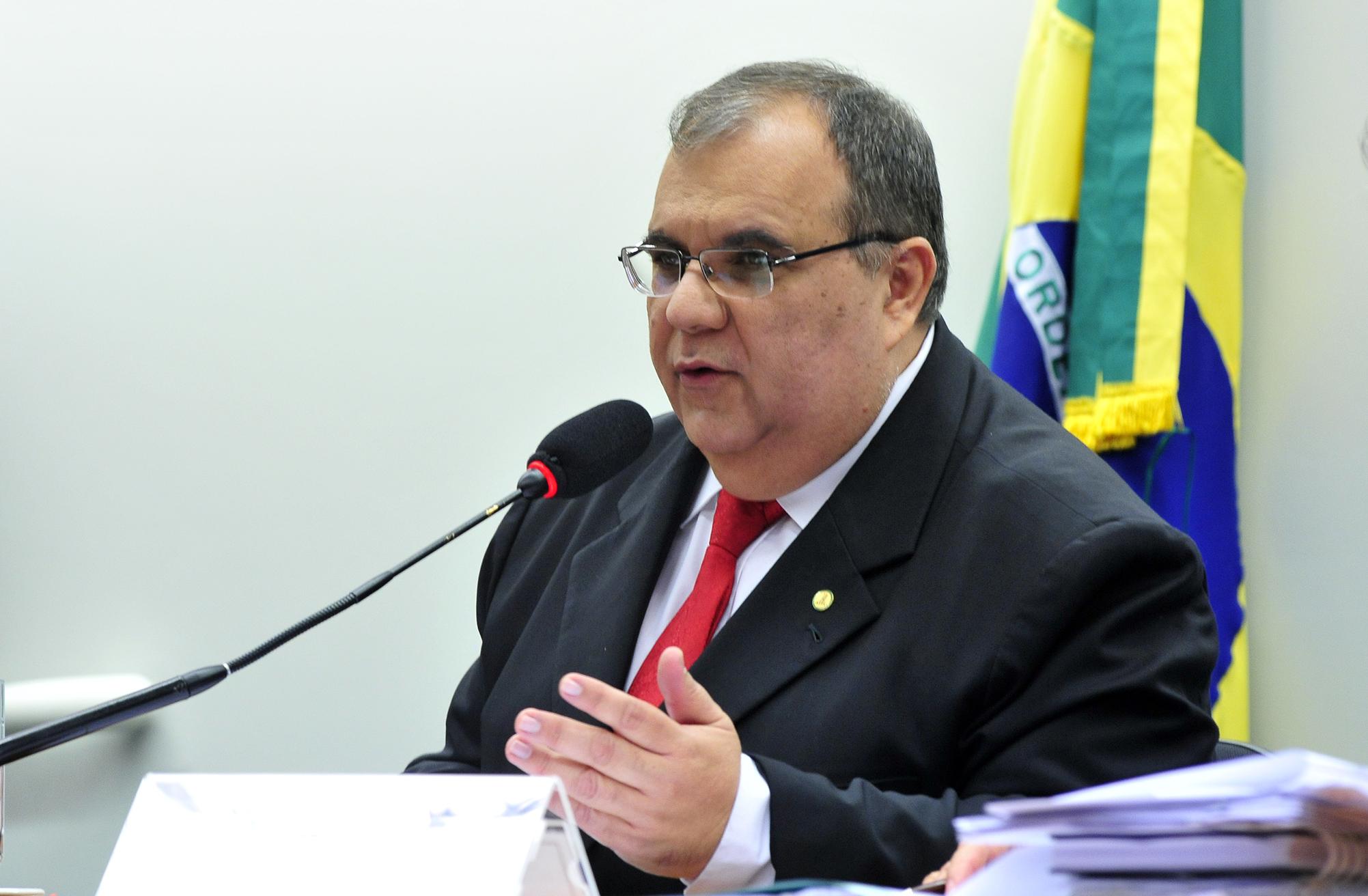 Deputados P - R - Rômulo Gouveia