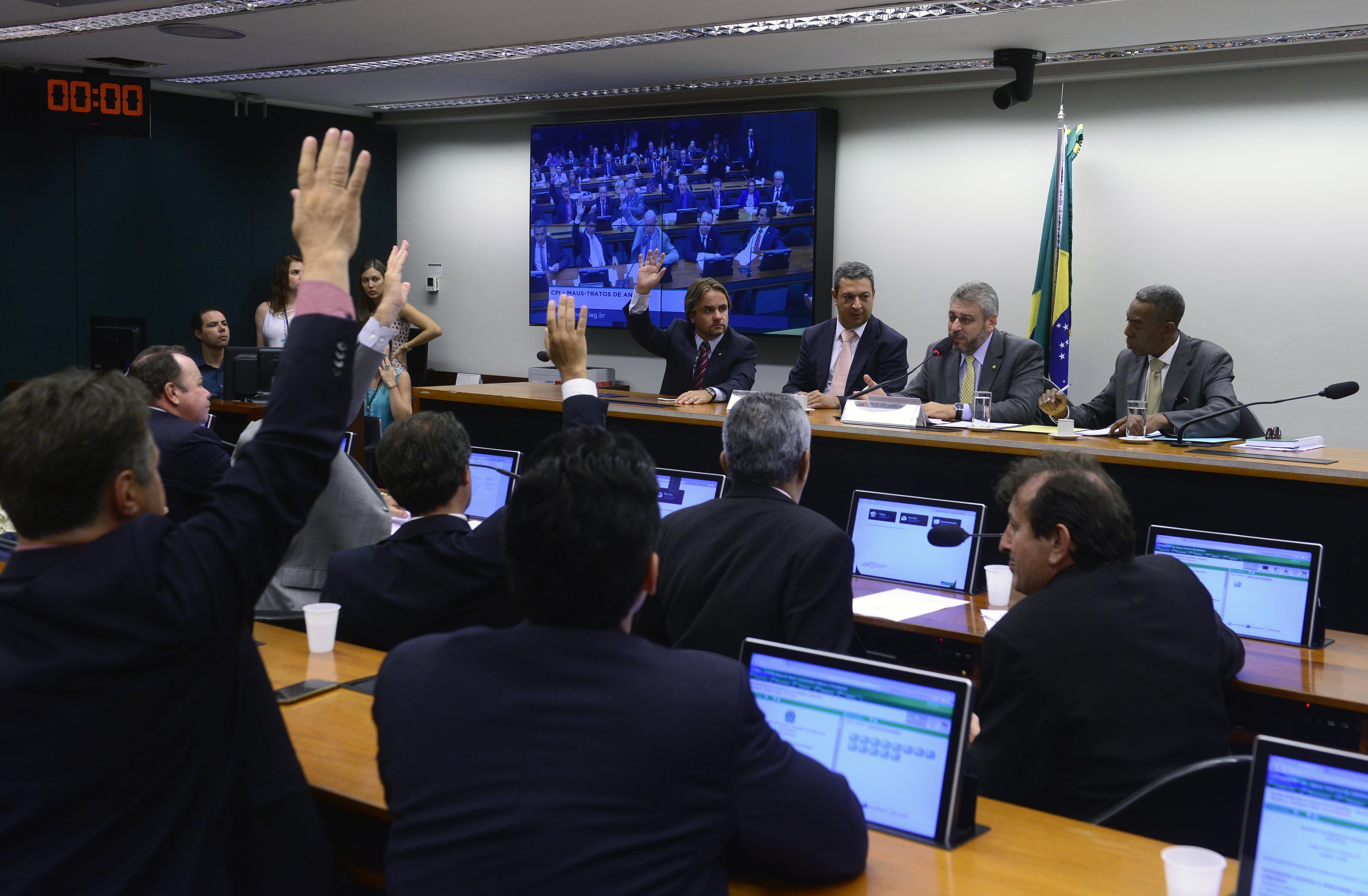 Continuação da votação dos destaques ao relatório final