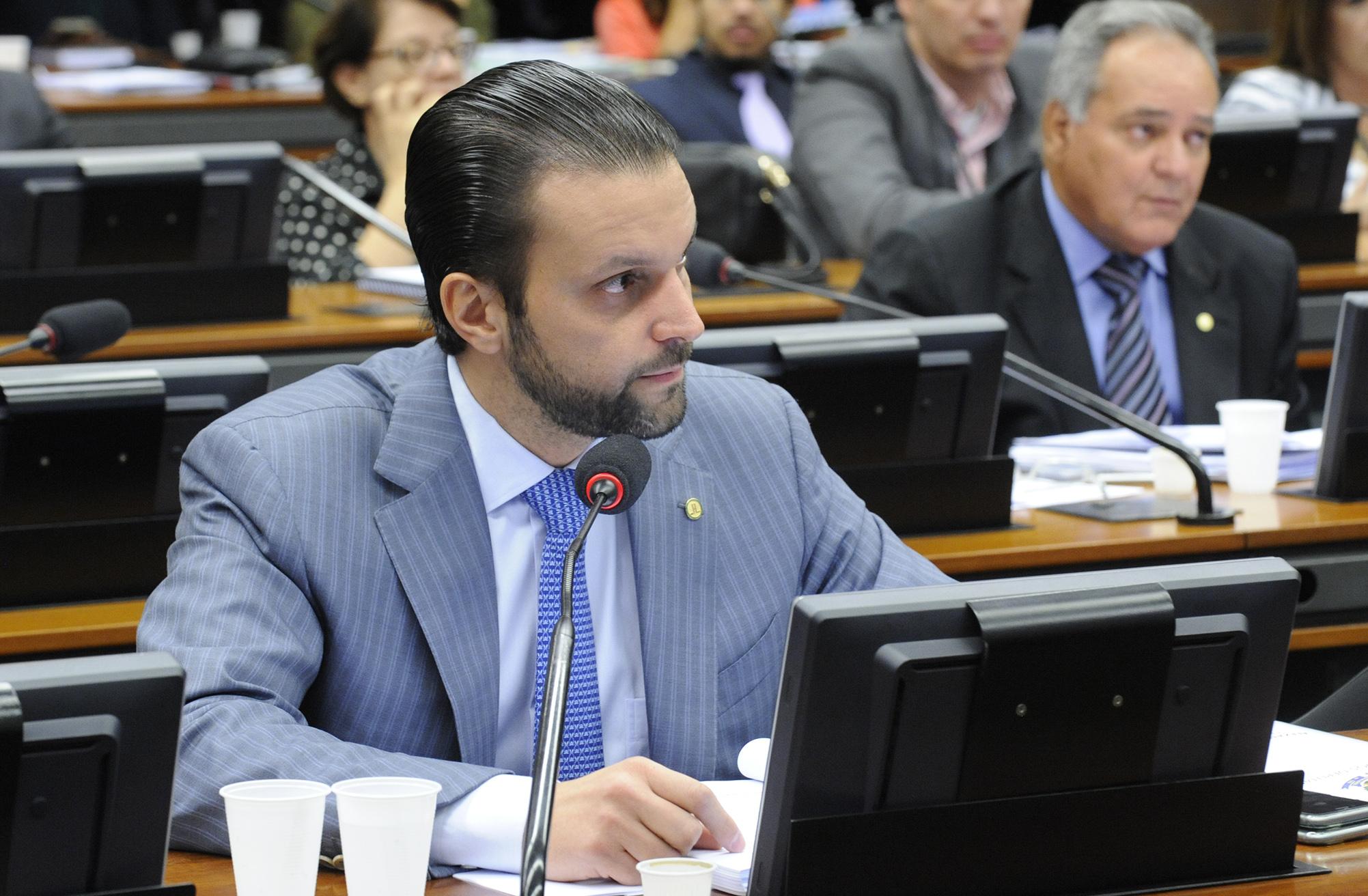 Reunião destinada a discutir os relatórios setoriais dos quatro sub-relatores da comissão. Dep. Alexandre Baldy (PSDB-GO), relatório setorial que trata de financiamentos a contratos internos