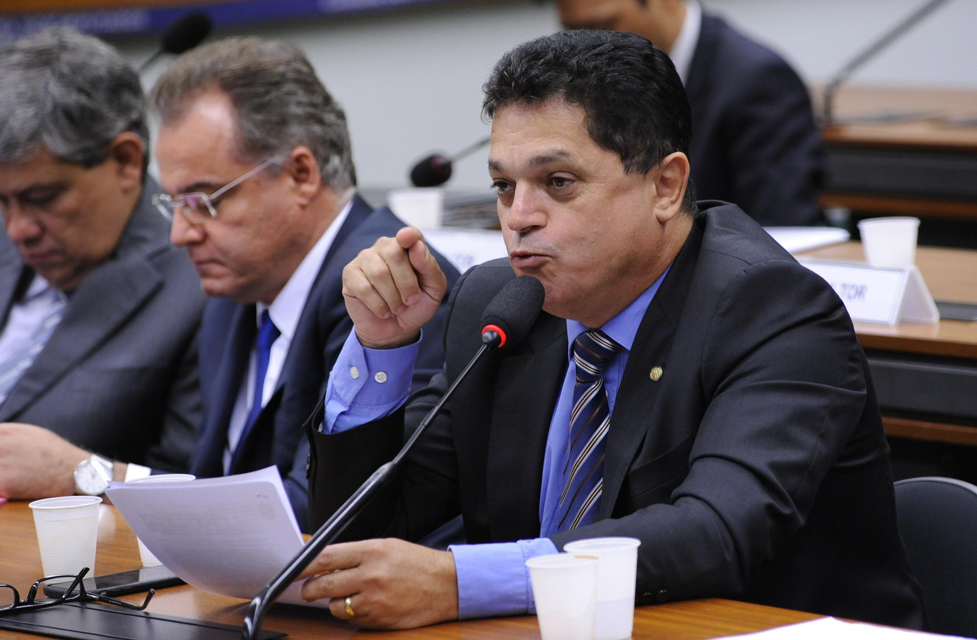 Audiência pública para tomada de depoimento do presidente do TRANDBANK, Adolpho Júlio da Silva Mello Neto. Dep. João Rodrigues (PSD-SC)