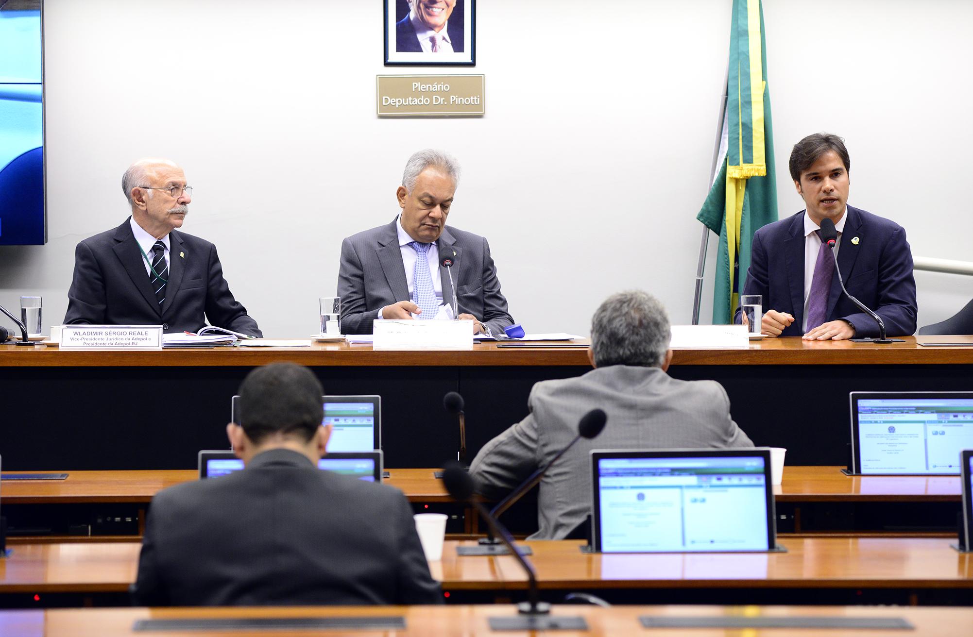 Audiência pública sobre a propostas de unificação das polícias civis e militares
