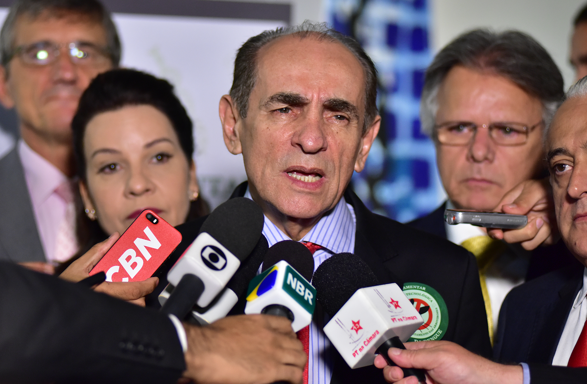 Ministro da Saúde, Marcelo Castro concede entrevista