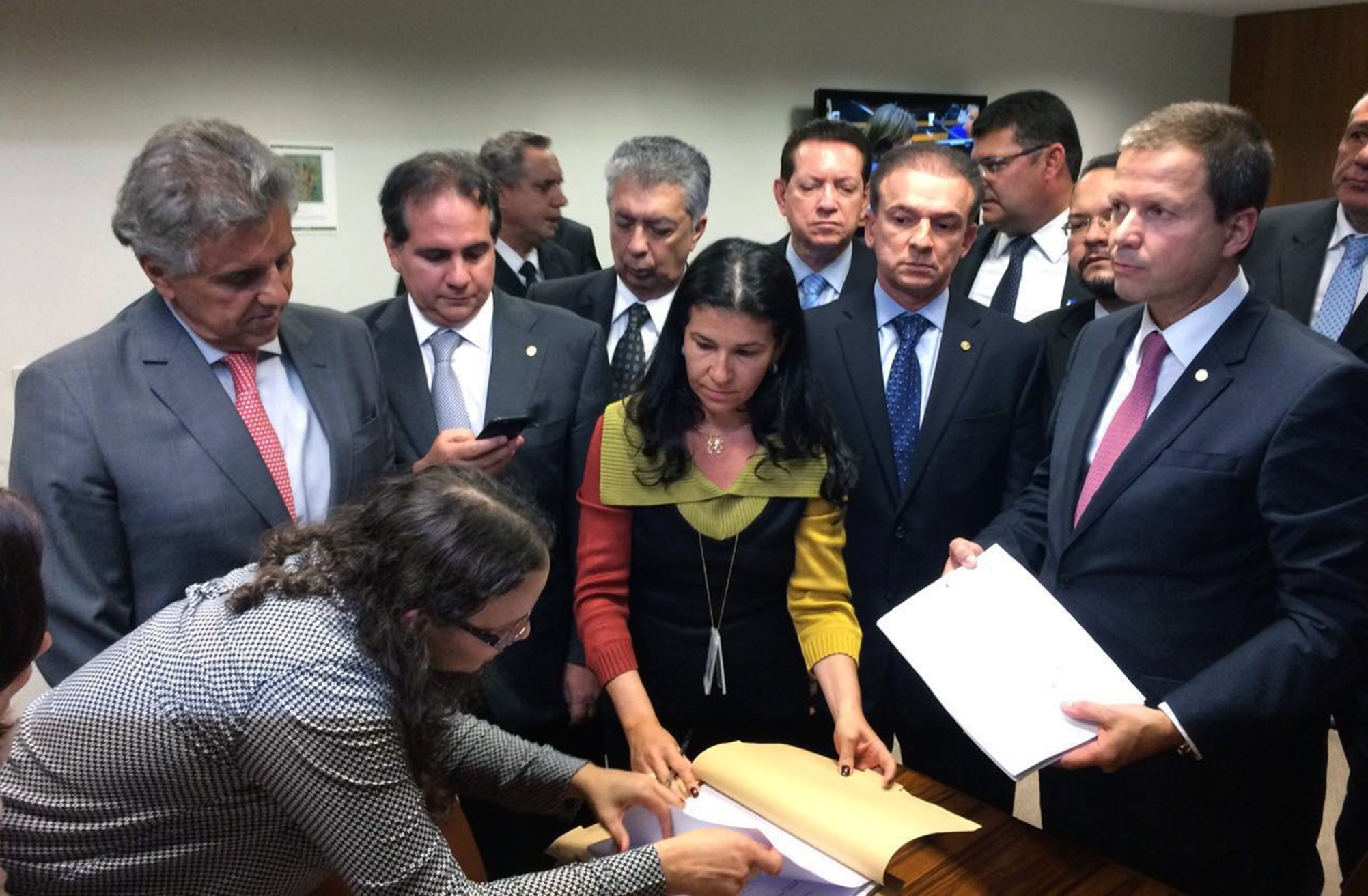OAB protocola pedido de impeachment contra presidente Dilma Rousseff