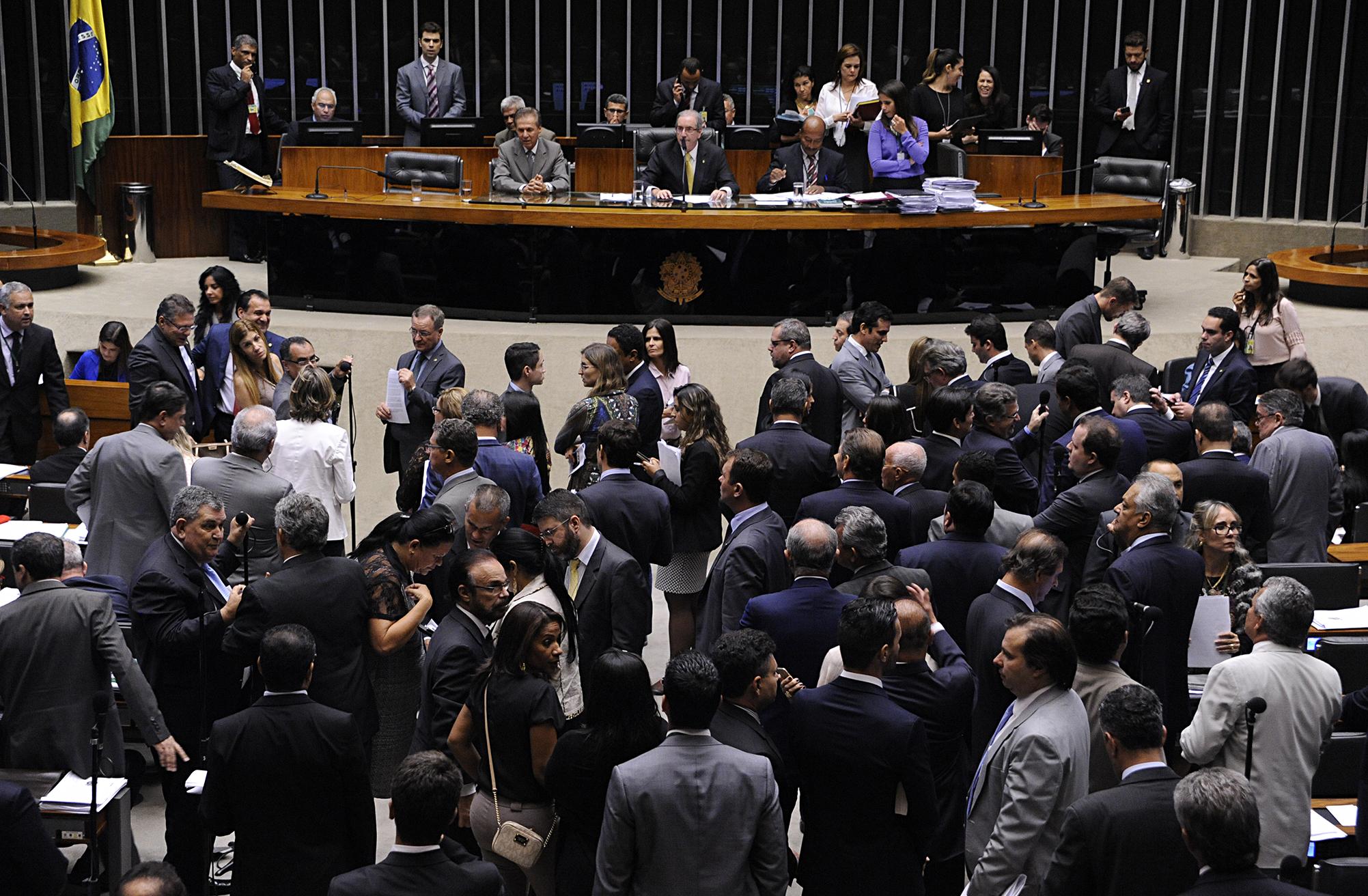 Resultado de imagem para Plenário pode votar projeto sobre dívida dos estados nesta segunda-feira