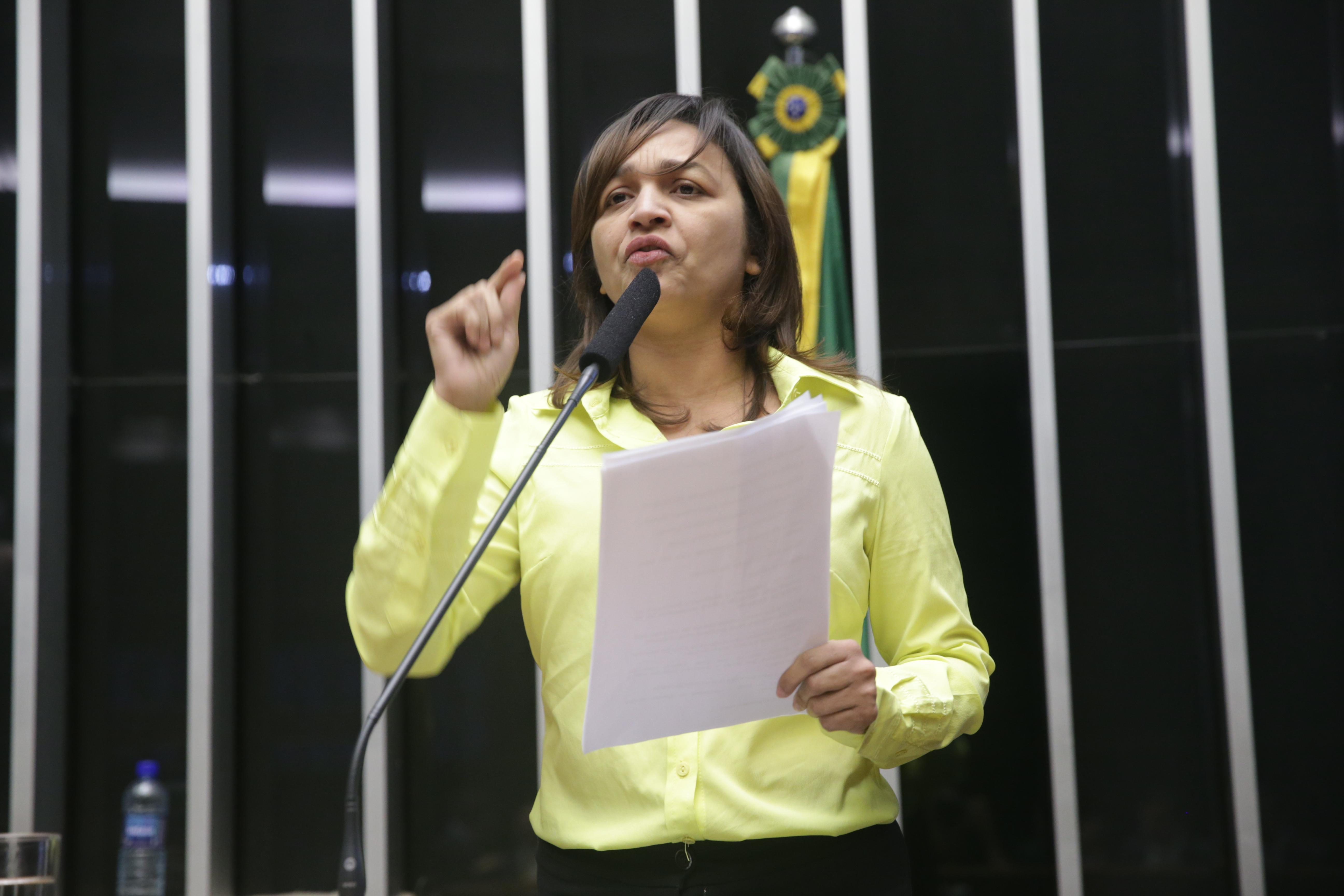Sessão especial para discussão e votação do parecer do dep. Jovair Arantes (PTB-GO), aprovado em comissão especial, que recomenda a abertura do processo de impeachment da presidente da República - Dep. Eliziane Gama (PPS/MA)