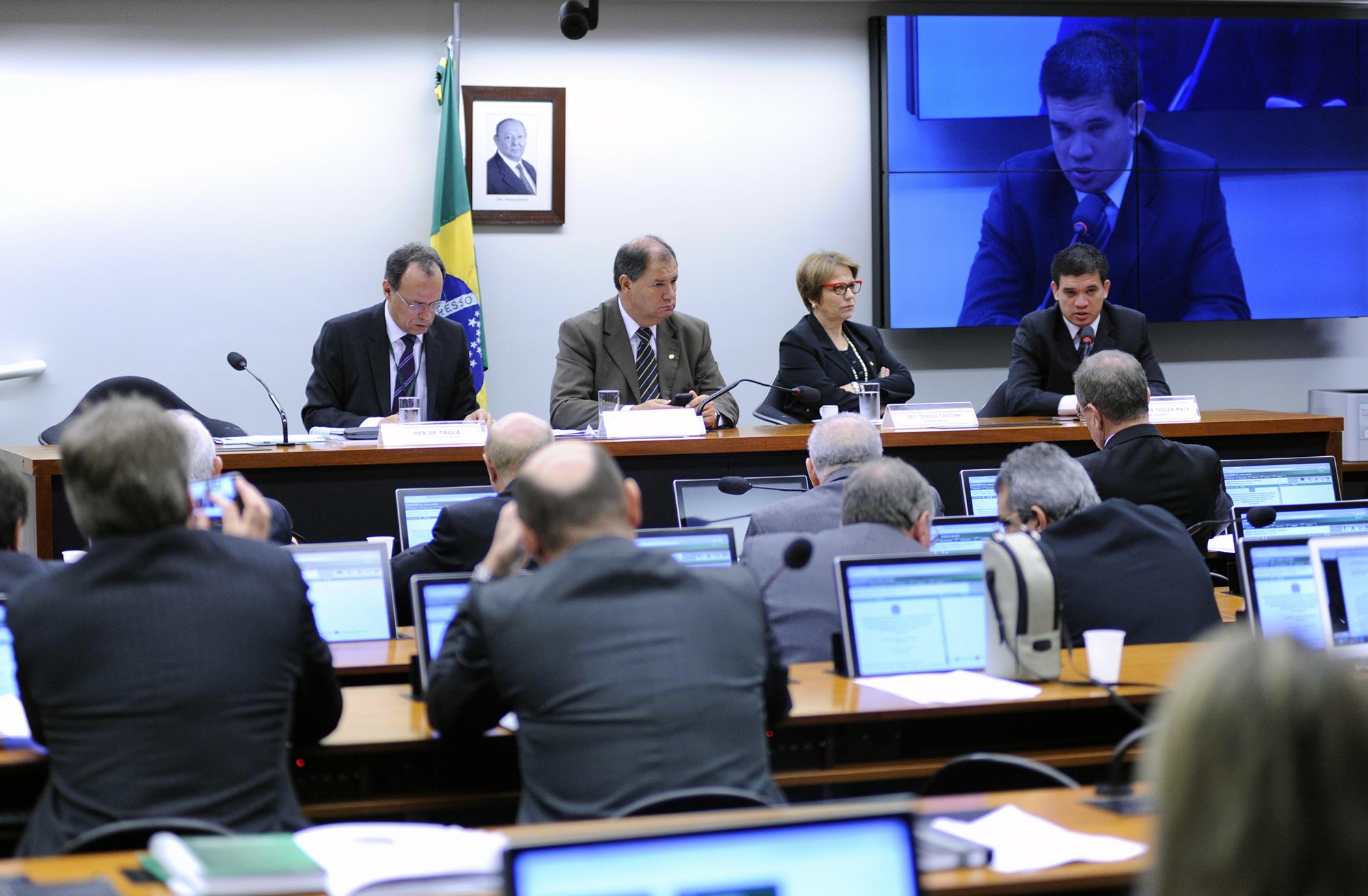 Audiência Pública para tomada de depoimento do advogado Ubiratan de Souza
