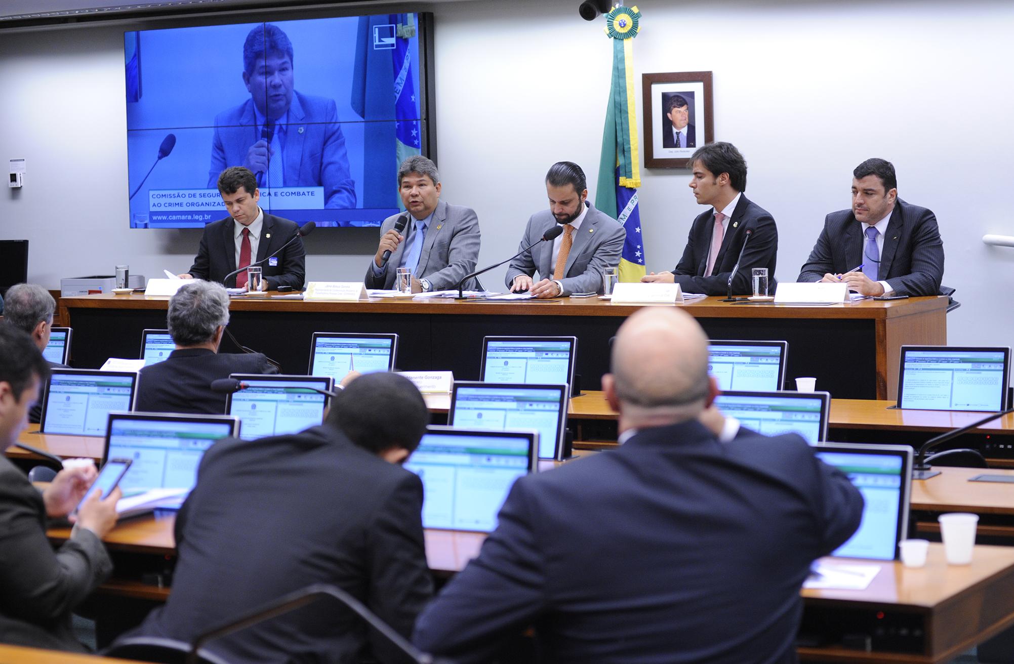 Audiência pública sobre o modelo proposto para o Sistema Único de Segurança Pública (SUSP) que se pretende instituir por meio do PL 3734/12