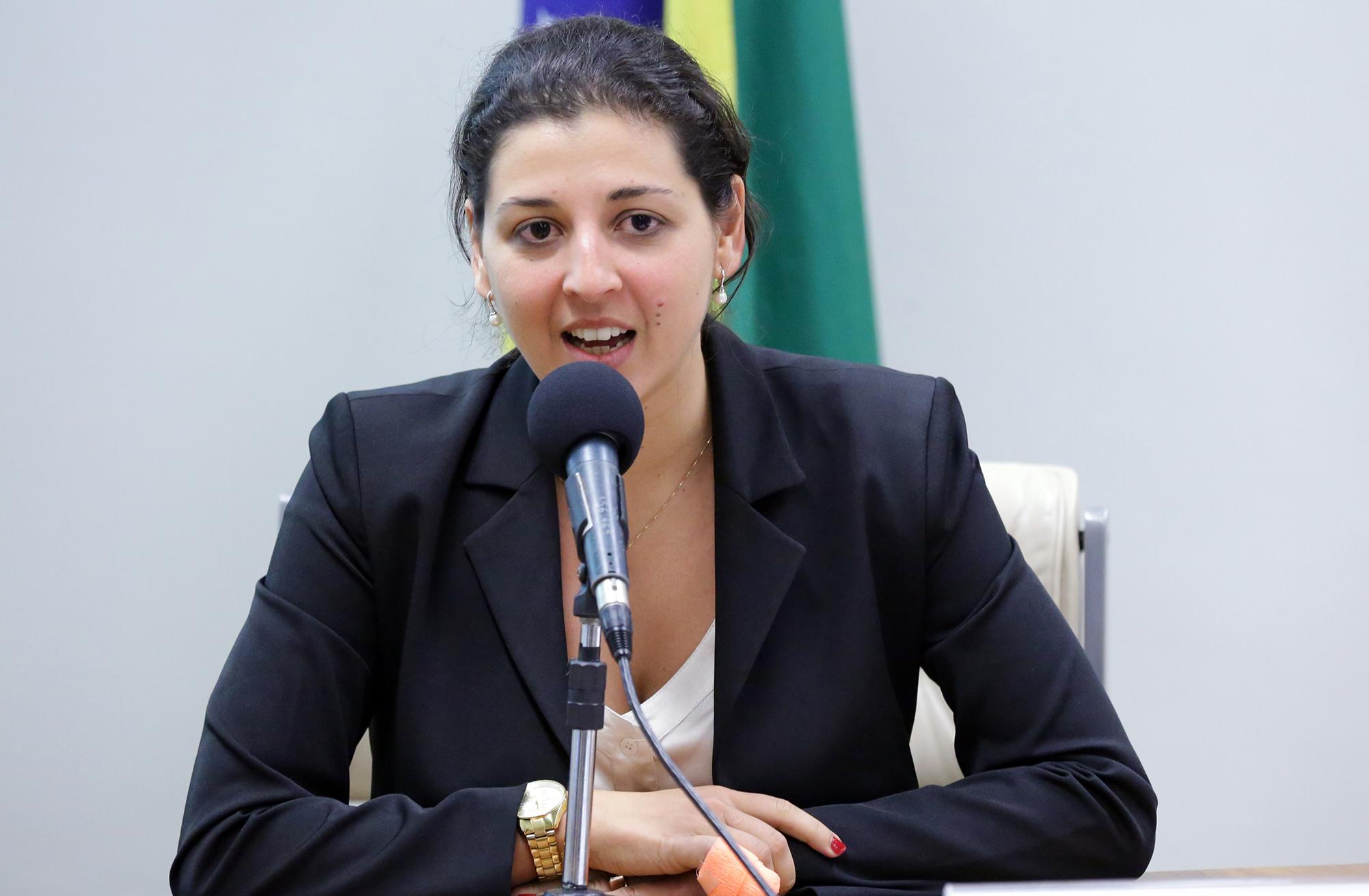 IV Seminário Internacional do Marco Legal da Primeira Infância. Audiência pública para debater o aumento da Licença Paternidade como estratégia para o Desenvolvimento Integral na Primeira Infância. Representante da Universidade de São Paulo (USP), Paula Pereda
