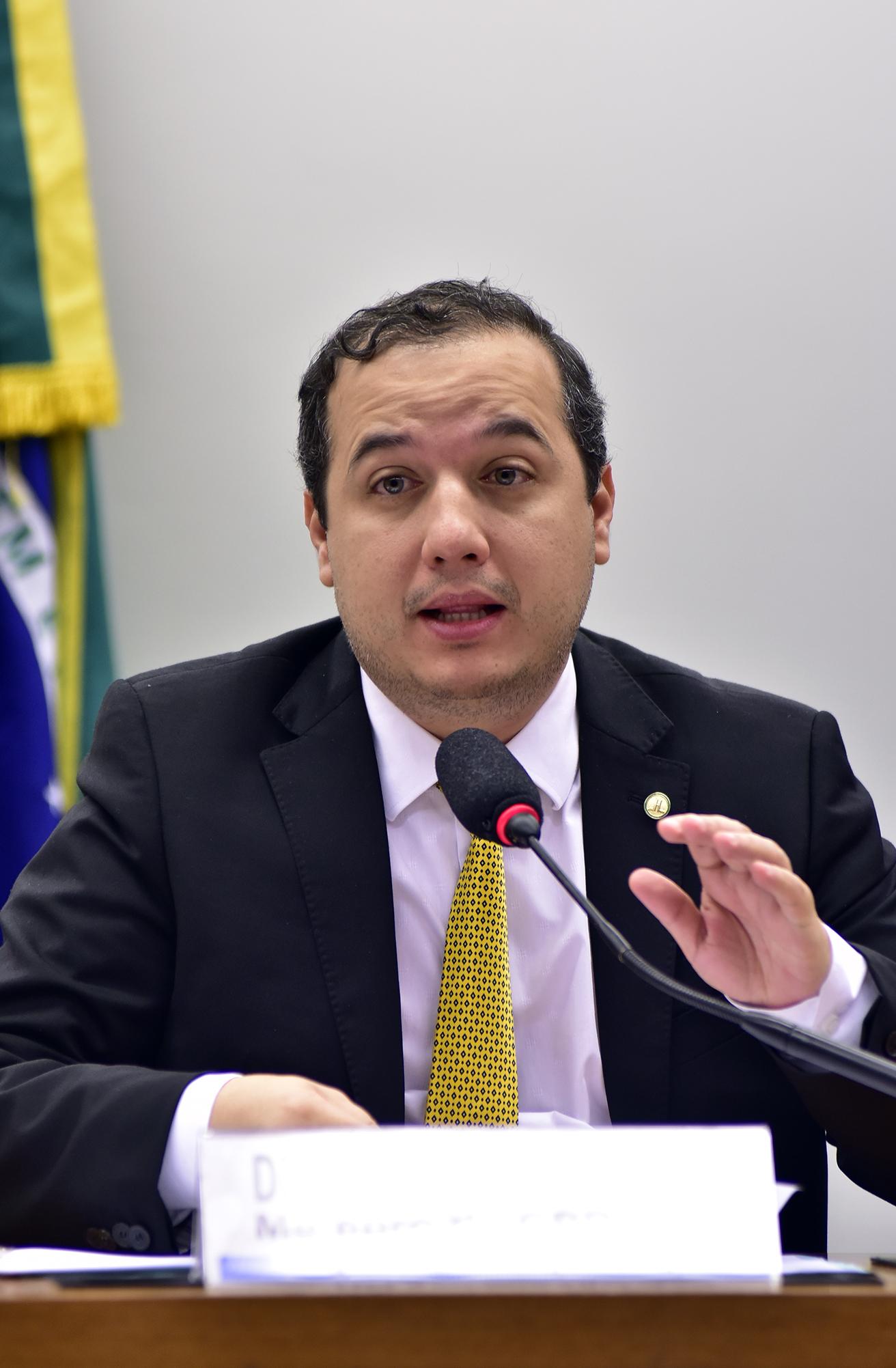 Audiência pública sobre a acessibilidade das pessoas com deficiência nas obras públicas no Brasil. Dep. Valadares Filho (PSB-SE)
