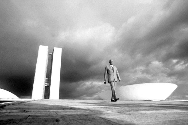 Comunicação - jornalismo - fotojornalismo - Ulysses Guimarães flagrado por Orlando Brito