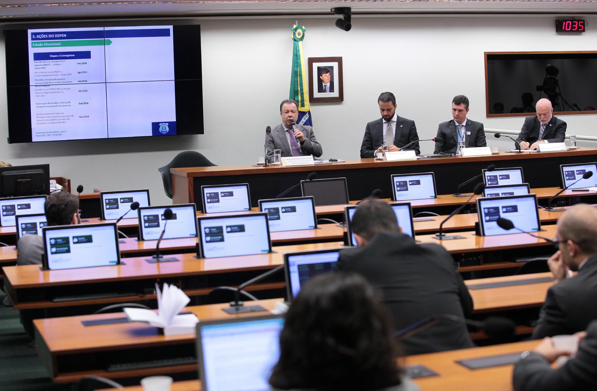 Audiência pública sobre o bloqueio de sinal de telefones celulares em presídios