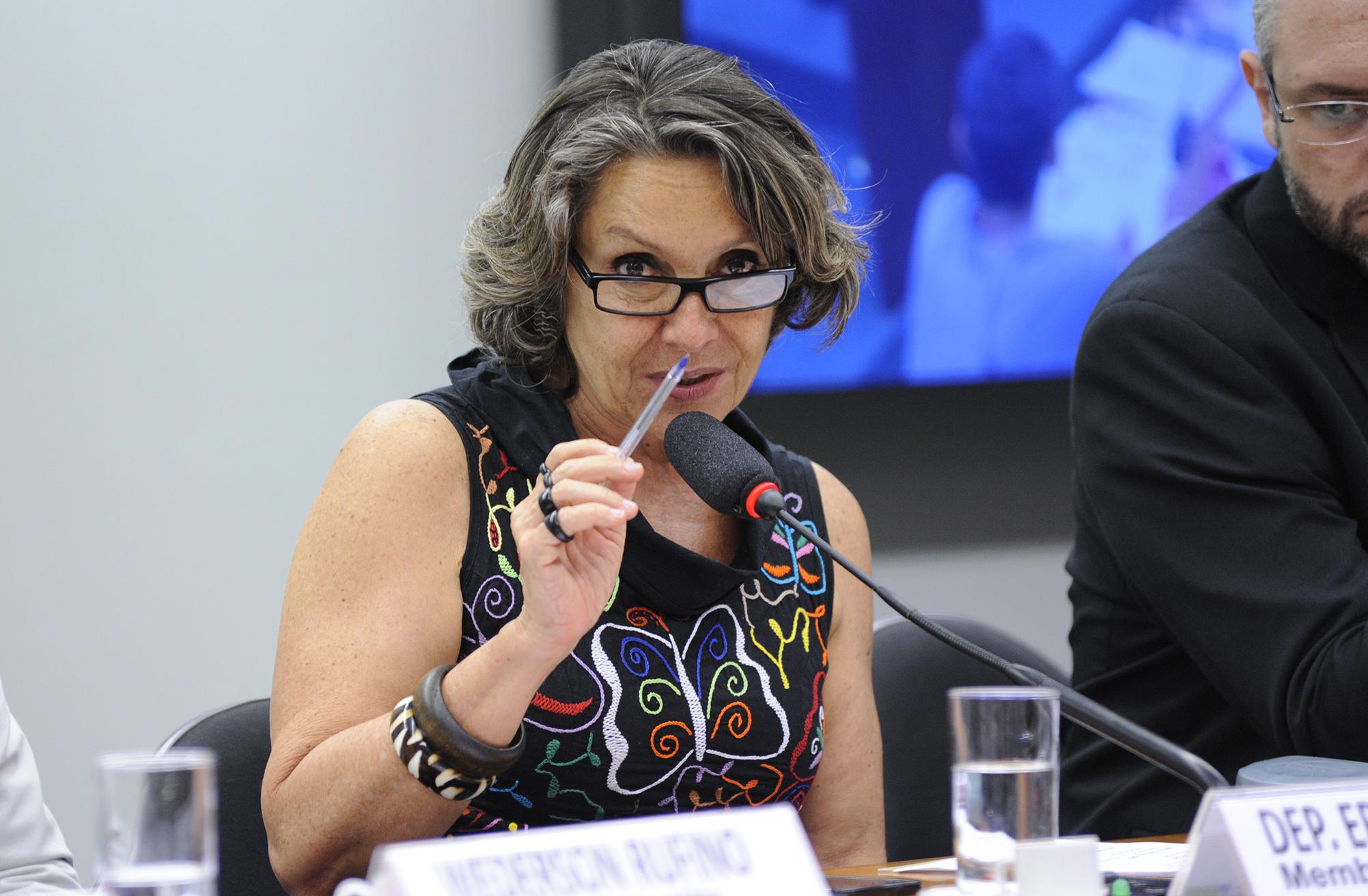 Audiência pública para debater a a incidência da AIDS entre as Pessoas com Deficiência. Dep. Erika kokay (PT-DF)