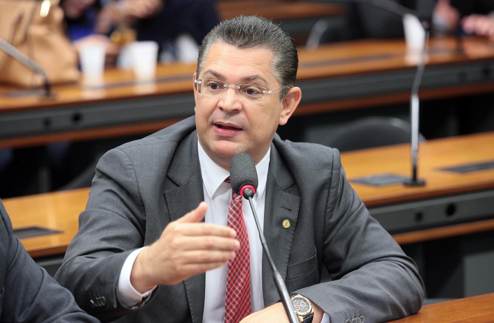 Reunião de instalação da comissão e eleição do Presidente e dos Vice-Presidente. Dep. Sóstenes Cavalcante (DEM-RJ)
