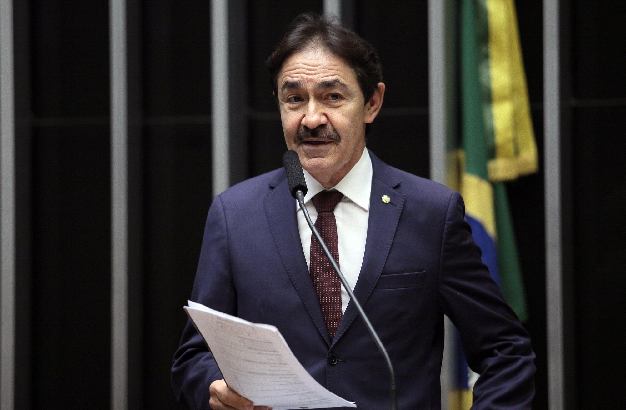 Homenagem aos agentes comunitários de saúde e aos agentes de combate às endemias. Dep. Raimundo Gomes de Matos (PSDB - CE)