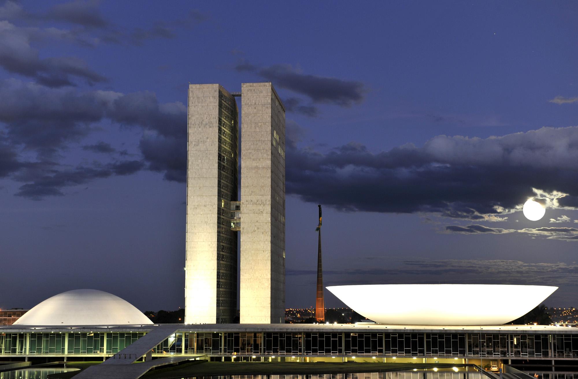 Brasília - Congresso - Congresso Nacional lua cheia