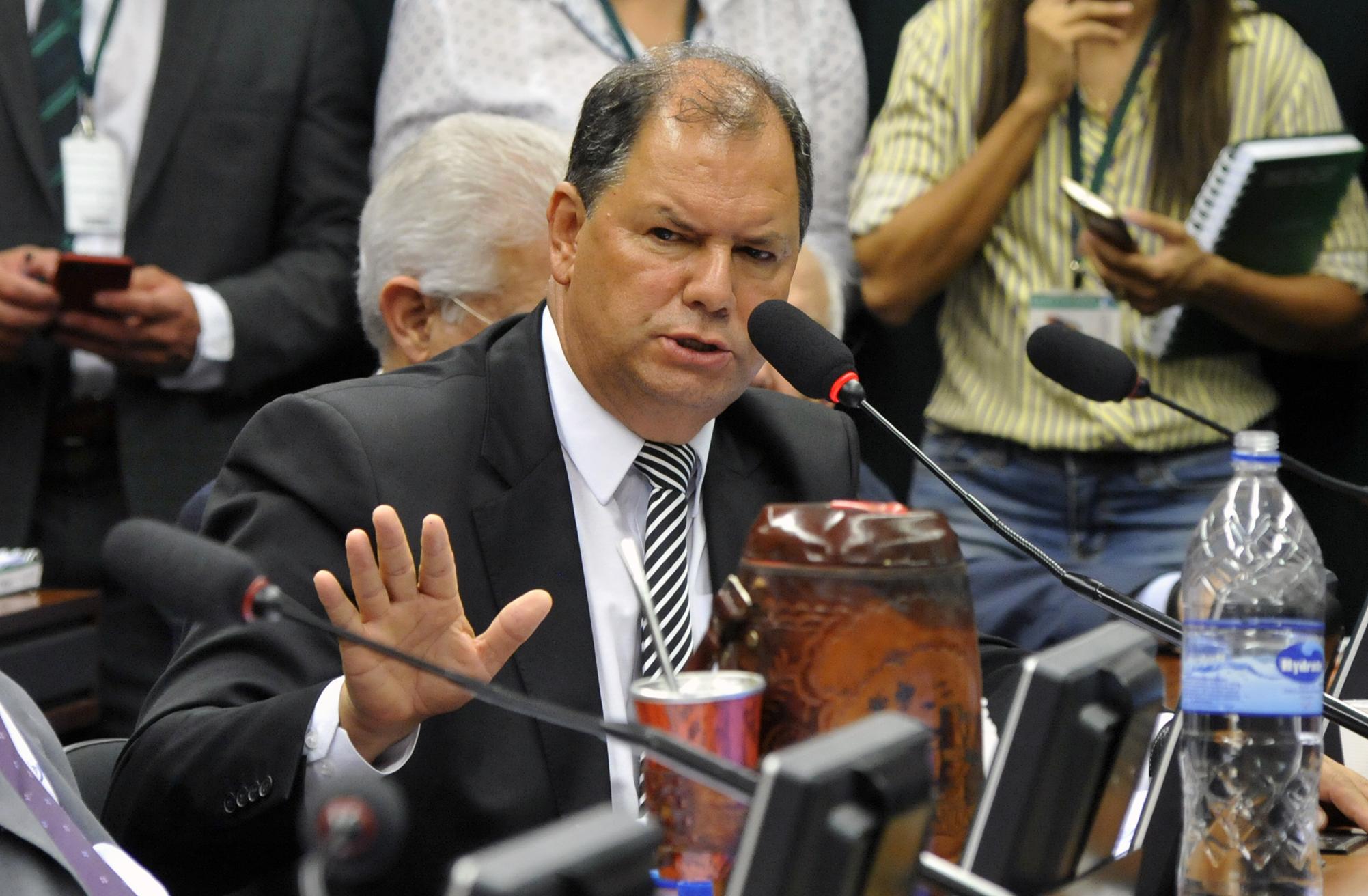 Reunião Extraordinária para discussão da proposta de reforma da Previdência. Relator dep. Alceu Moreira (PMDB-RS)