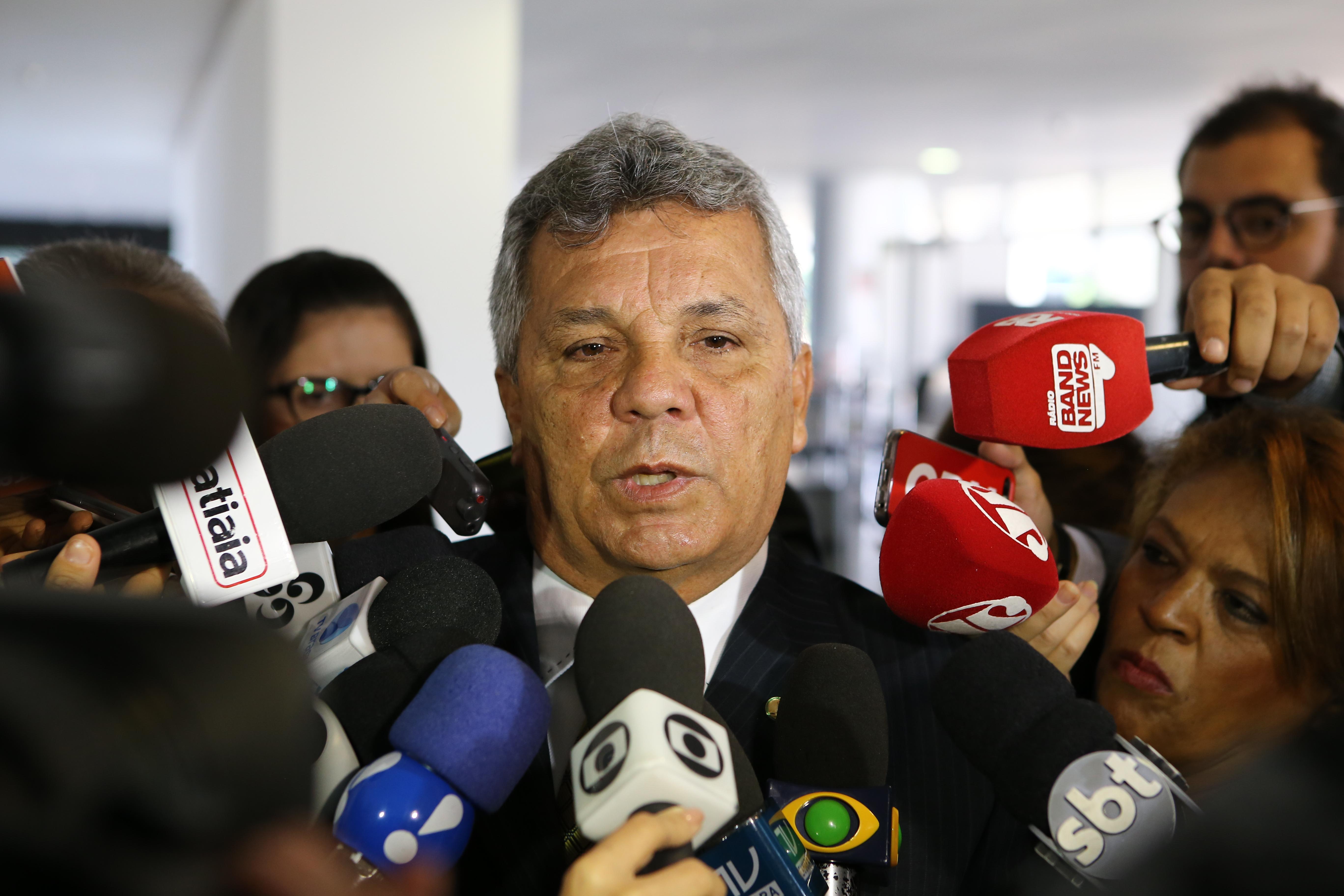Dep. Alberto Fraga (DEM-DF) fala sobre a situação dos presídios no Brasil e a reunião com o presidente Michel Temer para sugestão da criação do Ministério da Segurança Pública
