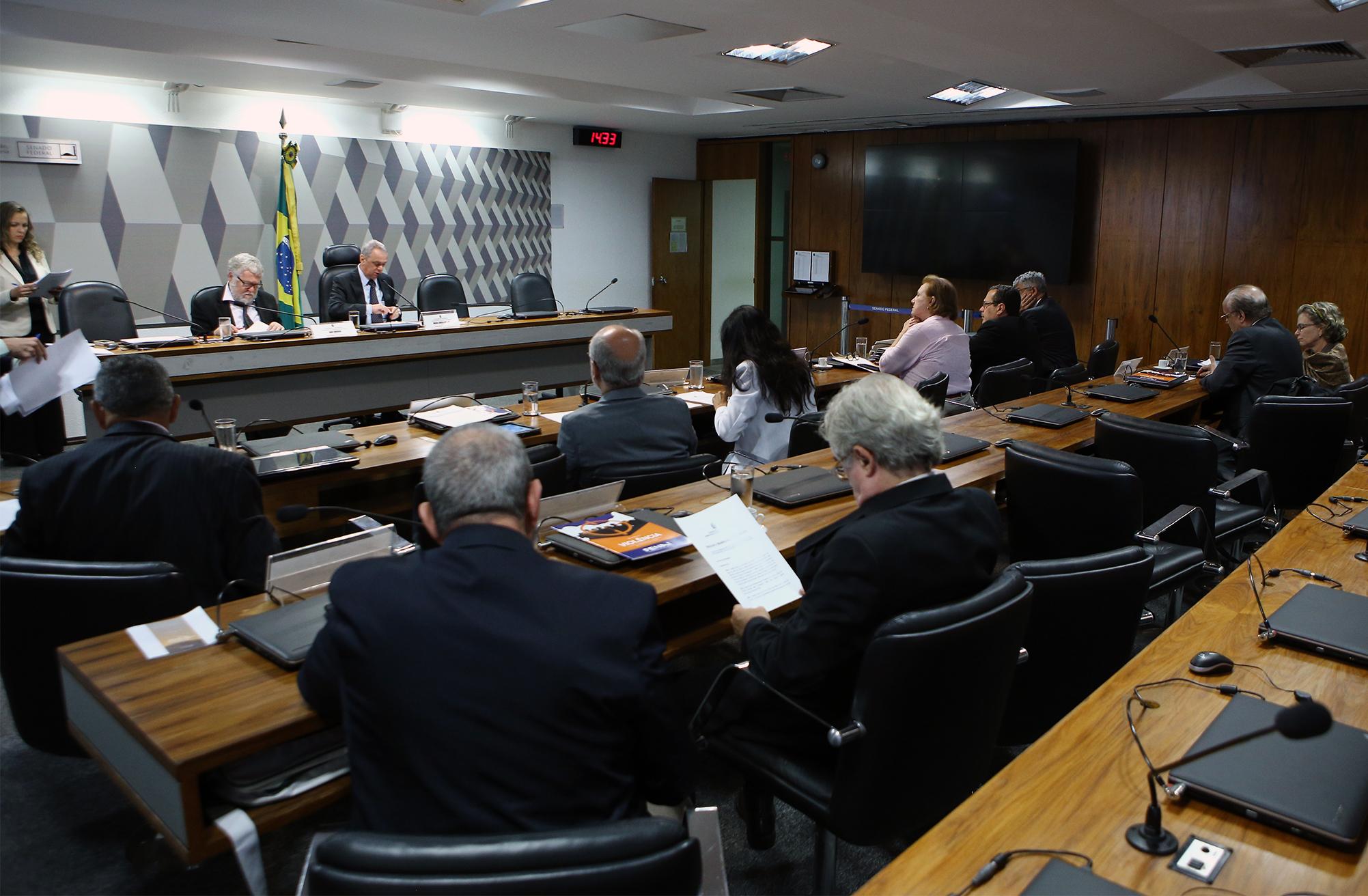 """Reunião sobre o PL 4.451/2008, que """"altera a Lei nº 4.117, de 27 de agosto de 1962, que 'institui o Código Brasileiro de Telecomunicações', para estabelecer normas de julgamento das licitações para outorga de concessões e permissões de serviços de radiodifusão"""