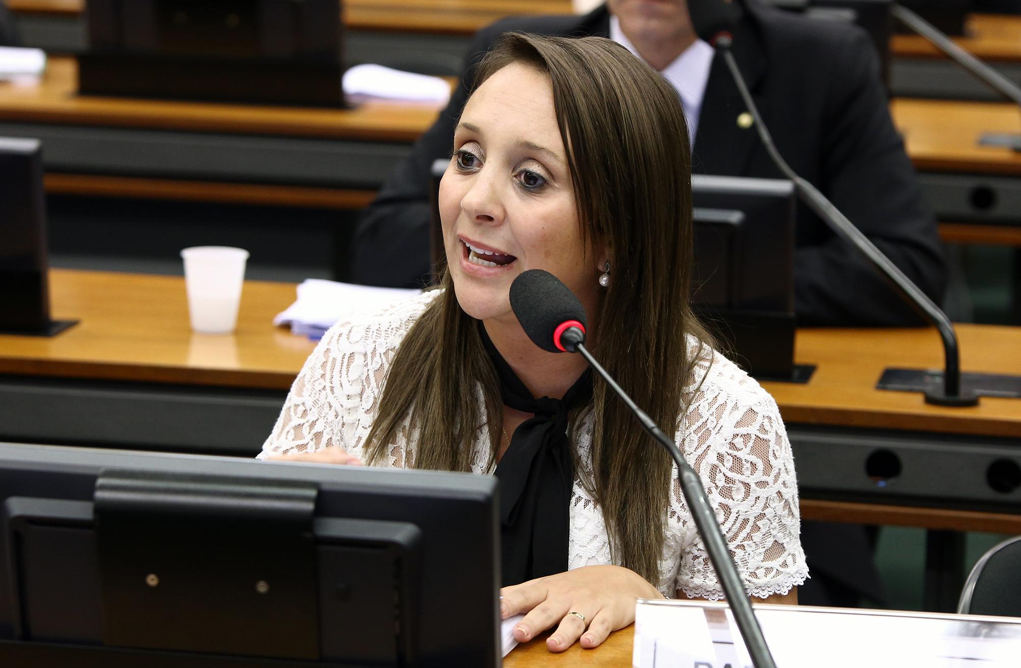 Instalação da Comissão e eleição do Presidente e dos Vice-Presidentes. Dep. Renata Abreu (PTN - SP)