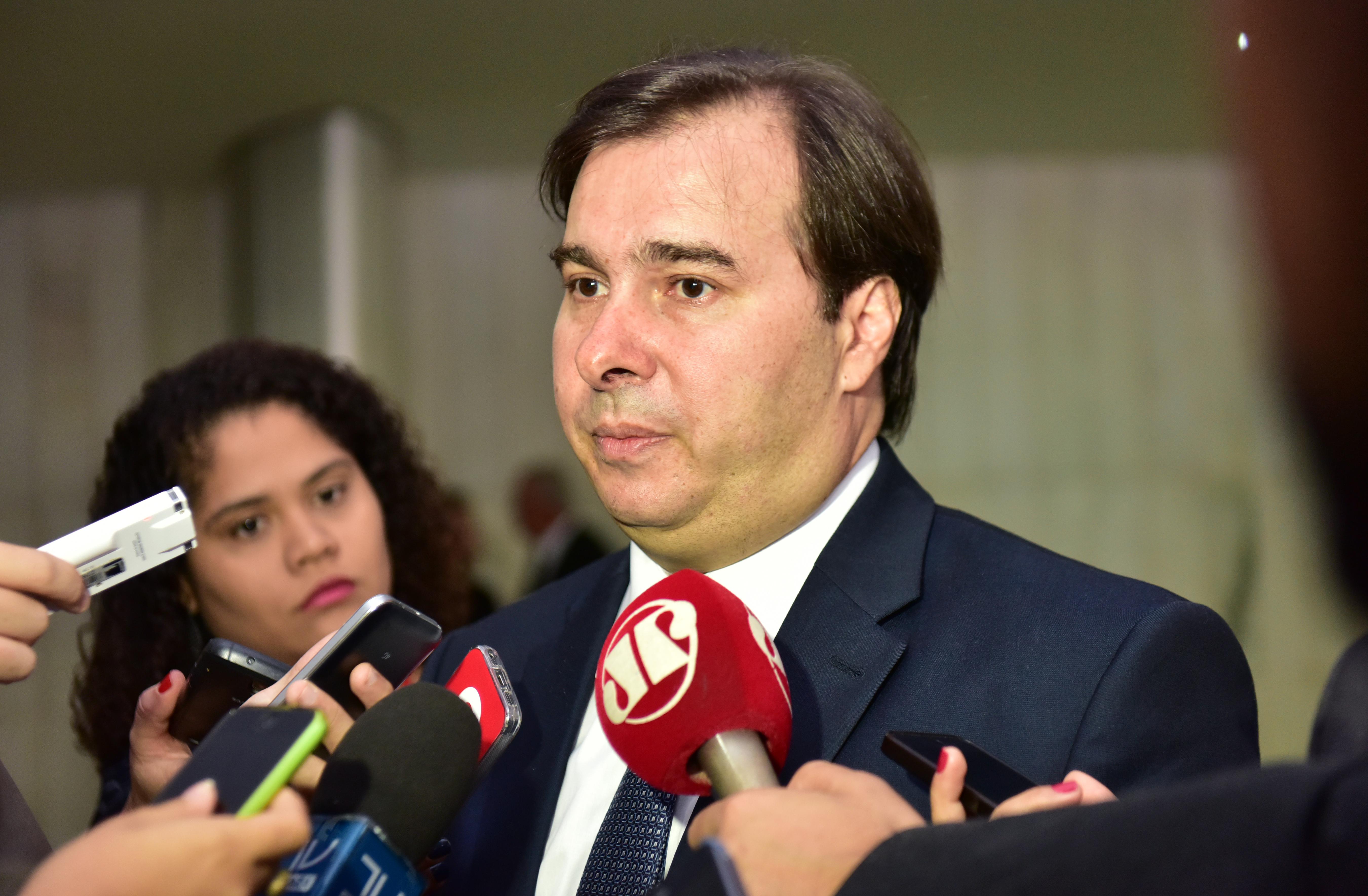 Presidente da Câmara dep. Rodrigo Maia (DEM-RJ), fala a imprensa sobre trabalhos da semana