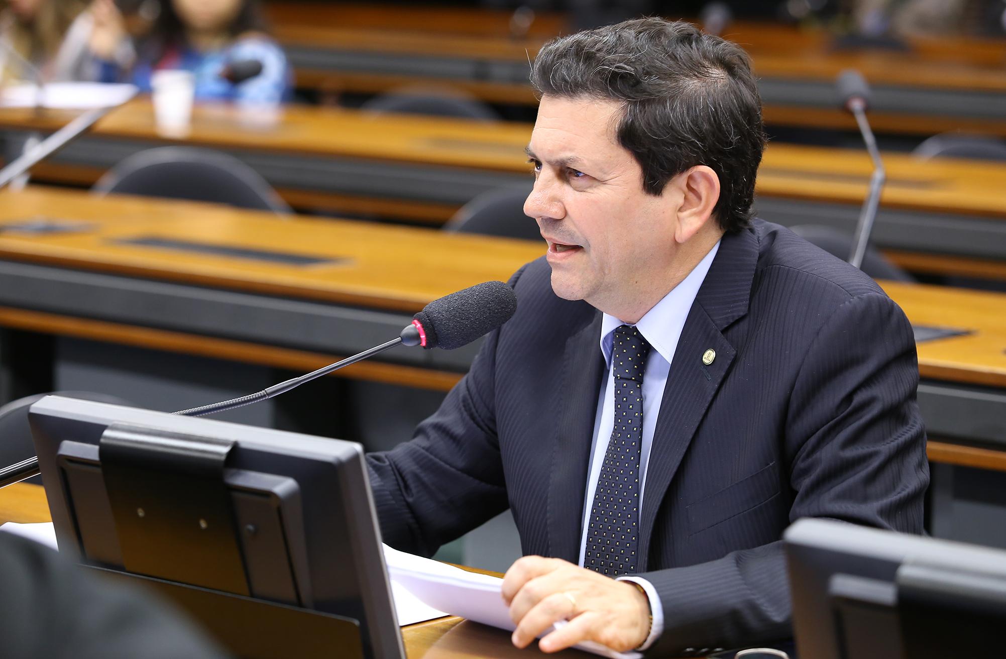 Reunião ordinária para discussão e votação do parecer da relatora, dep. Renata Abreu (PTN-SP). Dep. Otávio Leite (PSDB-RJ)