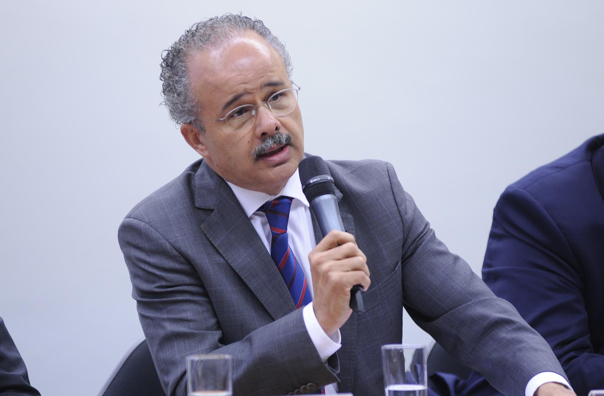 Comissão Especial sobre a Reforma Política, Tribunal Superior Eleitoral (TSE) e Instituto Idea realizam seminário internacional sobre Sistemas Eleitorais. Dep. Vicente Cândido (PT-SP)