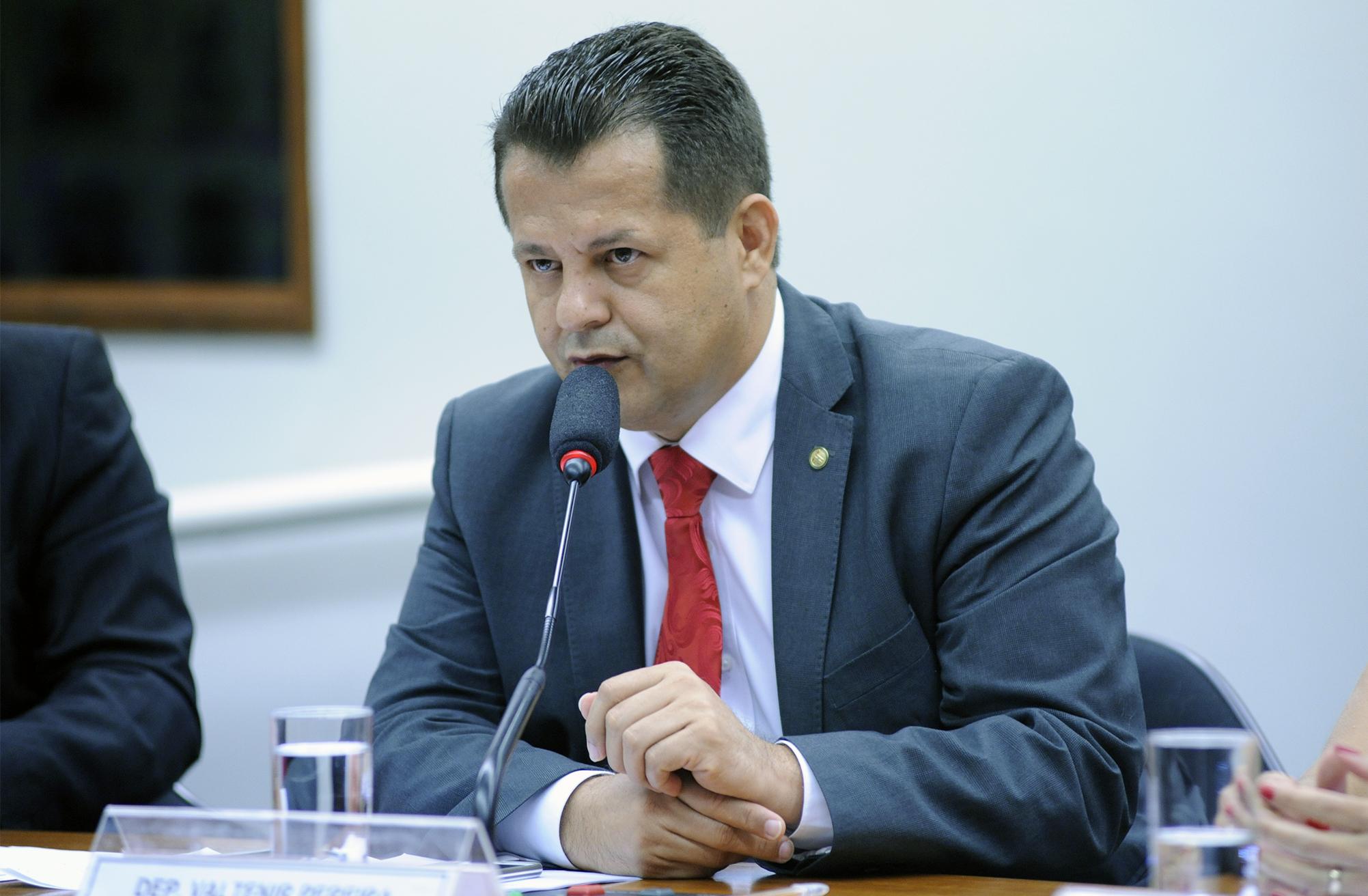 Audiência pública sobre o tema e eleição dos vice-presidentes. Dep. Valtenir Pereira (PMDB - MT)