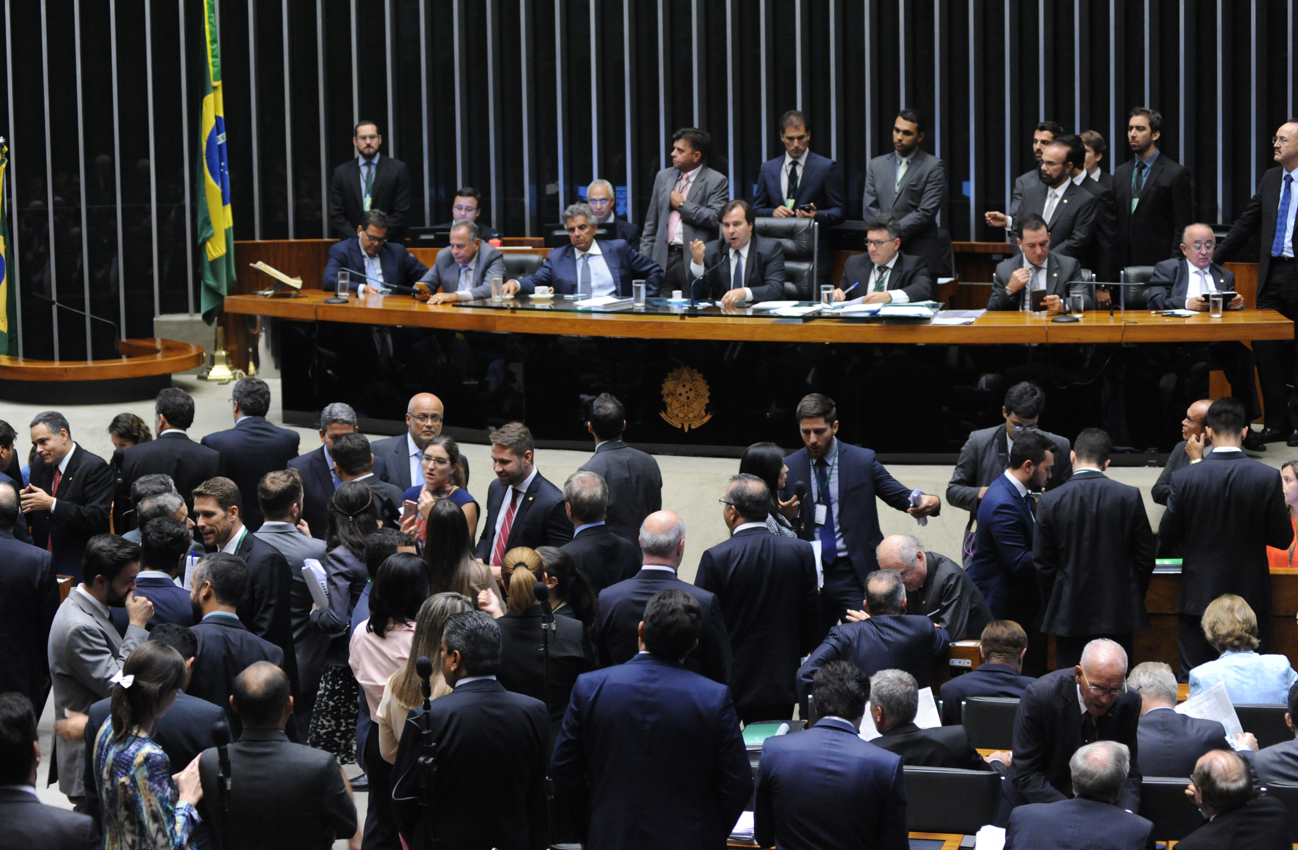 Sessão extraordinária da Câmara dos Deputados para discussão e votação de diversos projetos