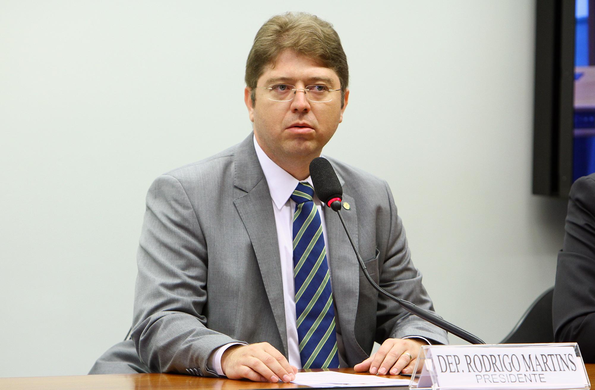 Reunião de instalação da comissão e eleição do novo presidente. Presidente eleito, dep. Rodrigo Martins (PSB - PI)