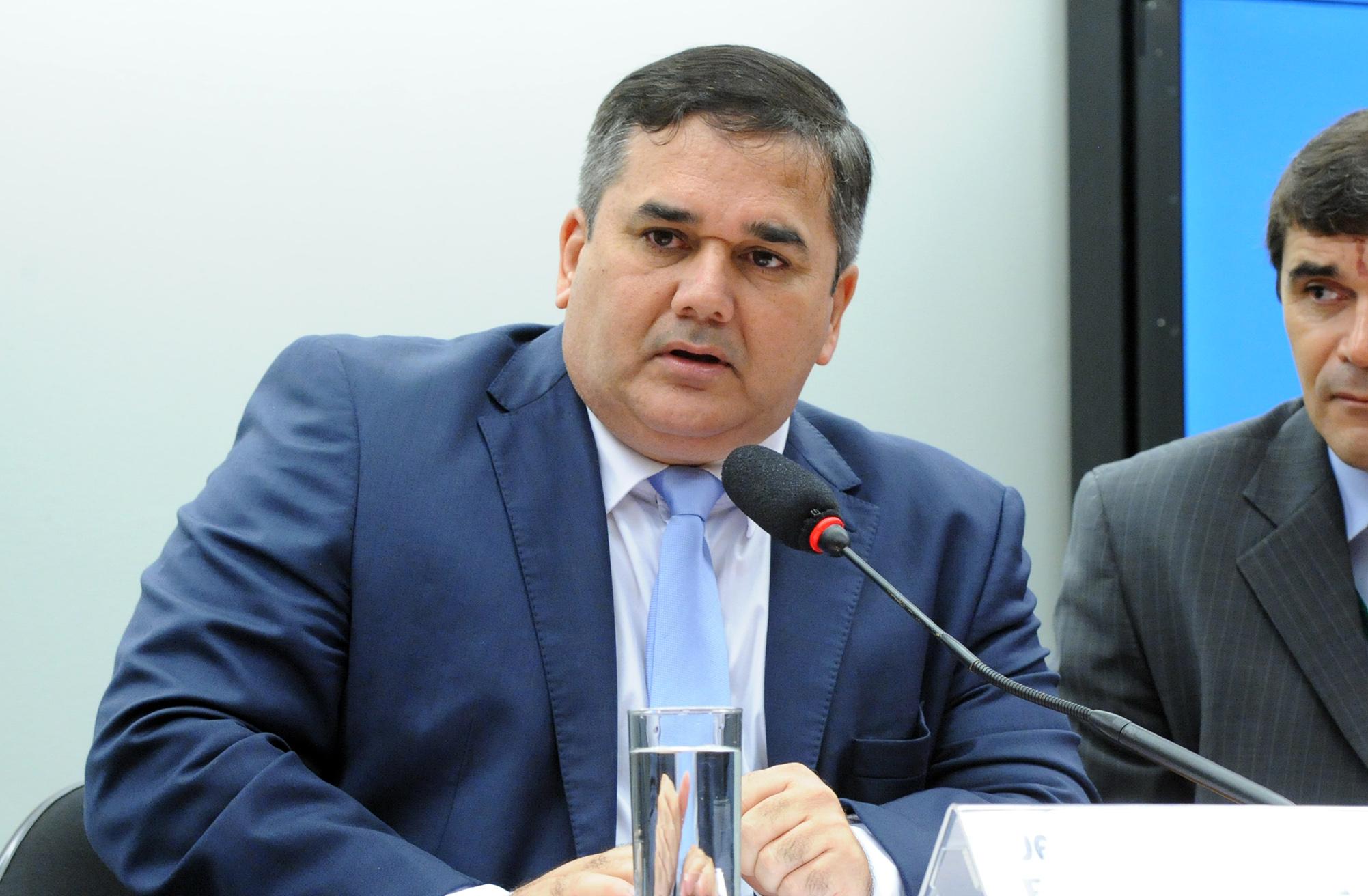 Reunião de instalação da comissão e eleição do novo presidente. Presidente eleito, dep. cabo Sabino (PR-CE)