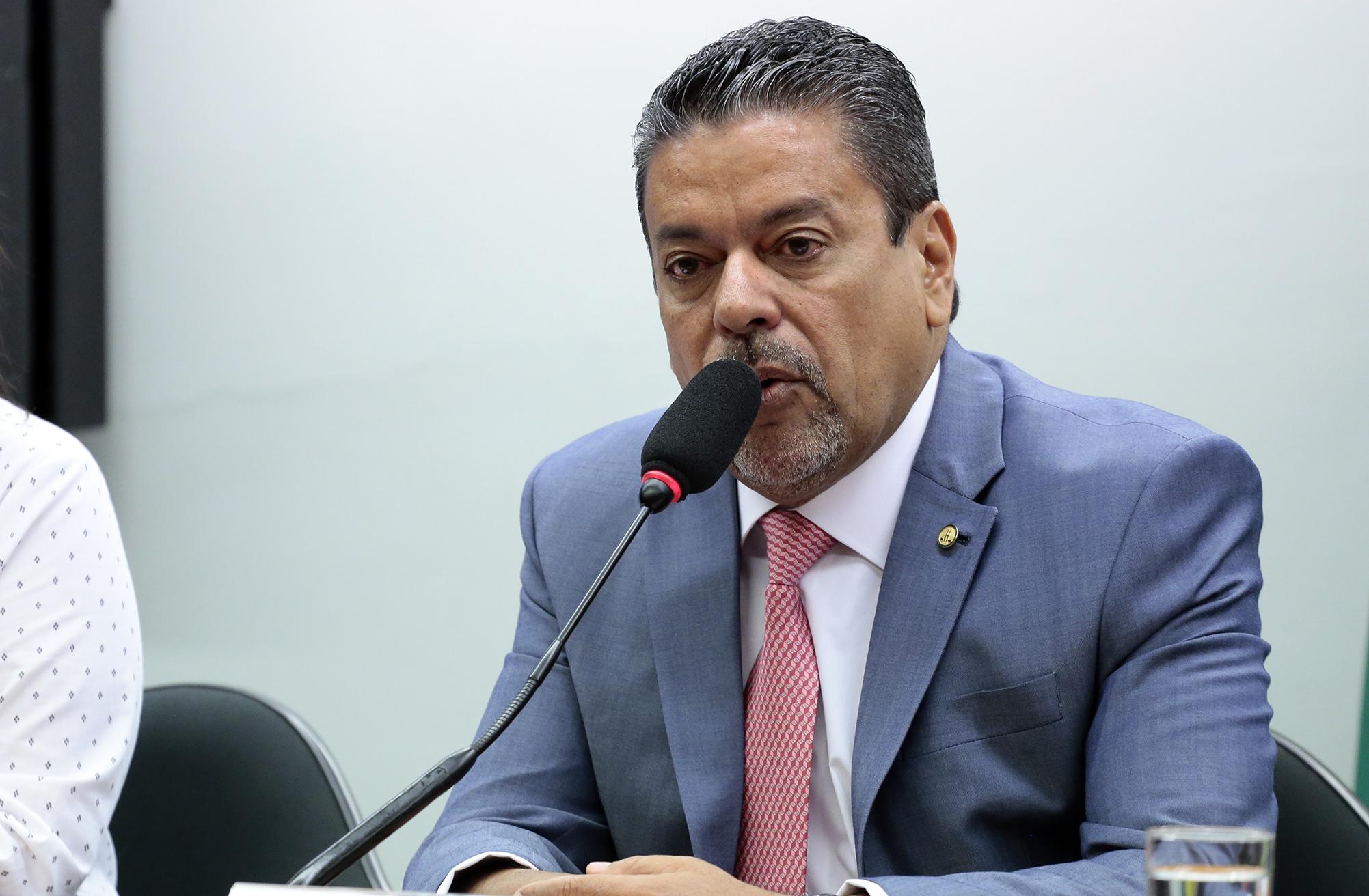 Reunião de instalação da comissão e eleição do novo presidente. Presidente eleito, dep. Hiran Gonçalves (PP-RR)