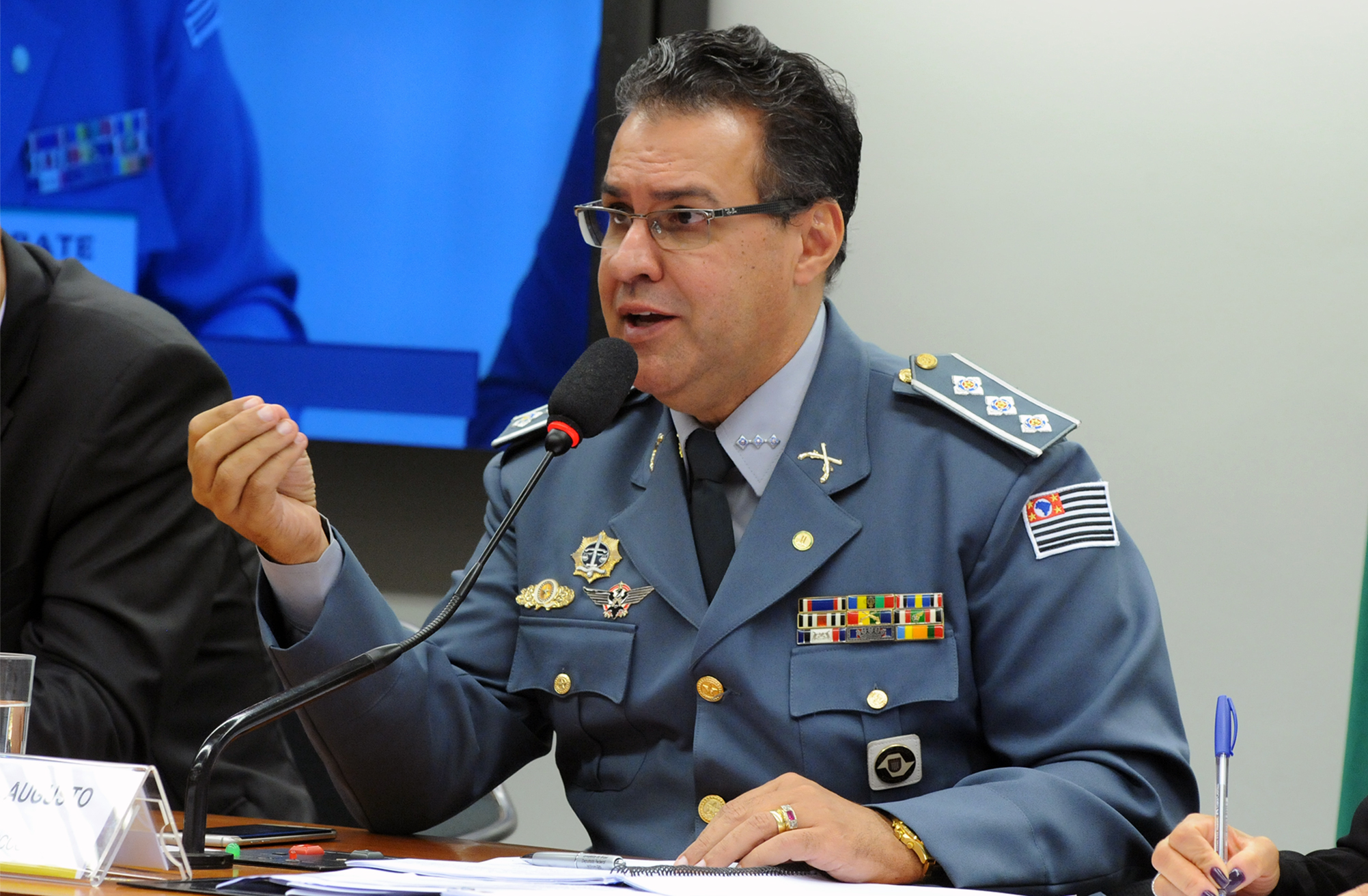 Segurança Pública aprova mudanças em estatutos de PMs e bombeiros do Distrito Federal