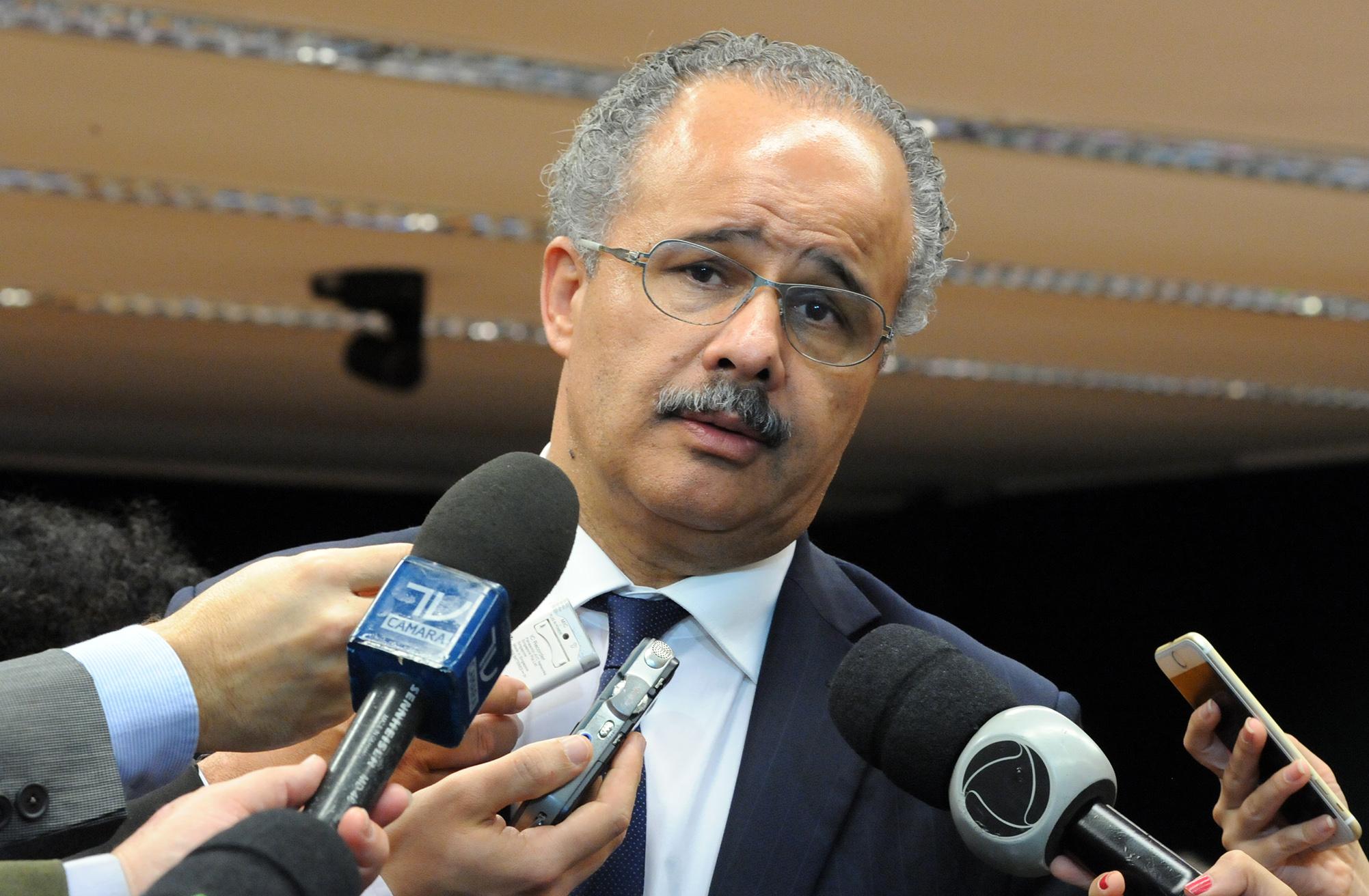 Dep. Vicente Cândido (PT-SP) concede entrevista