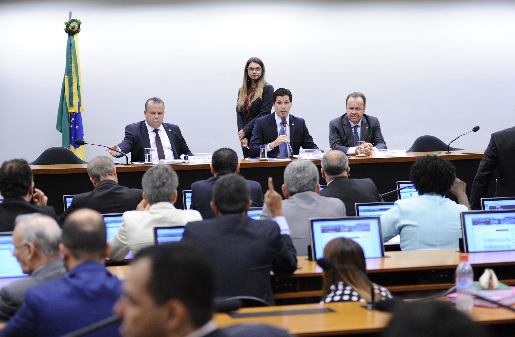 Reunião ordinária para apresentação de relatório do dep. Rogério Marinho (PSDB-RN)