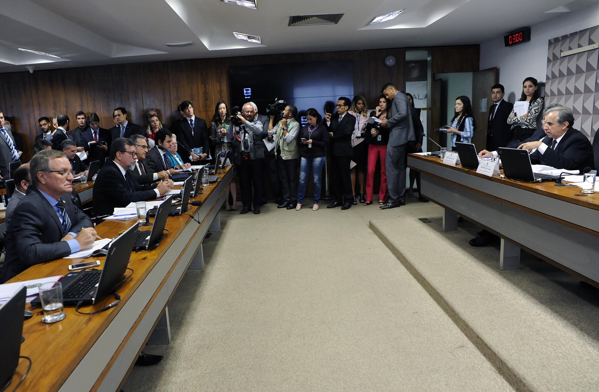 Comissão mista aprova MP sobre regularização fundiária