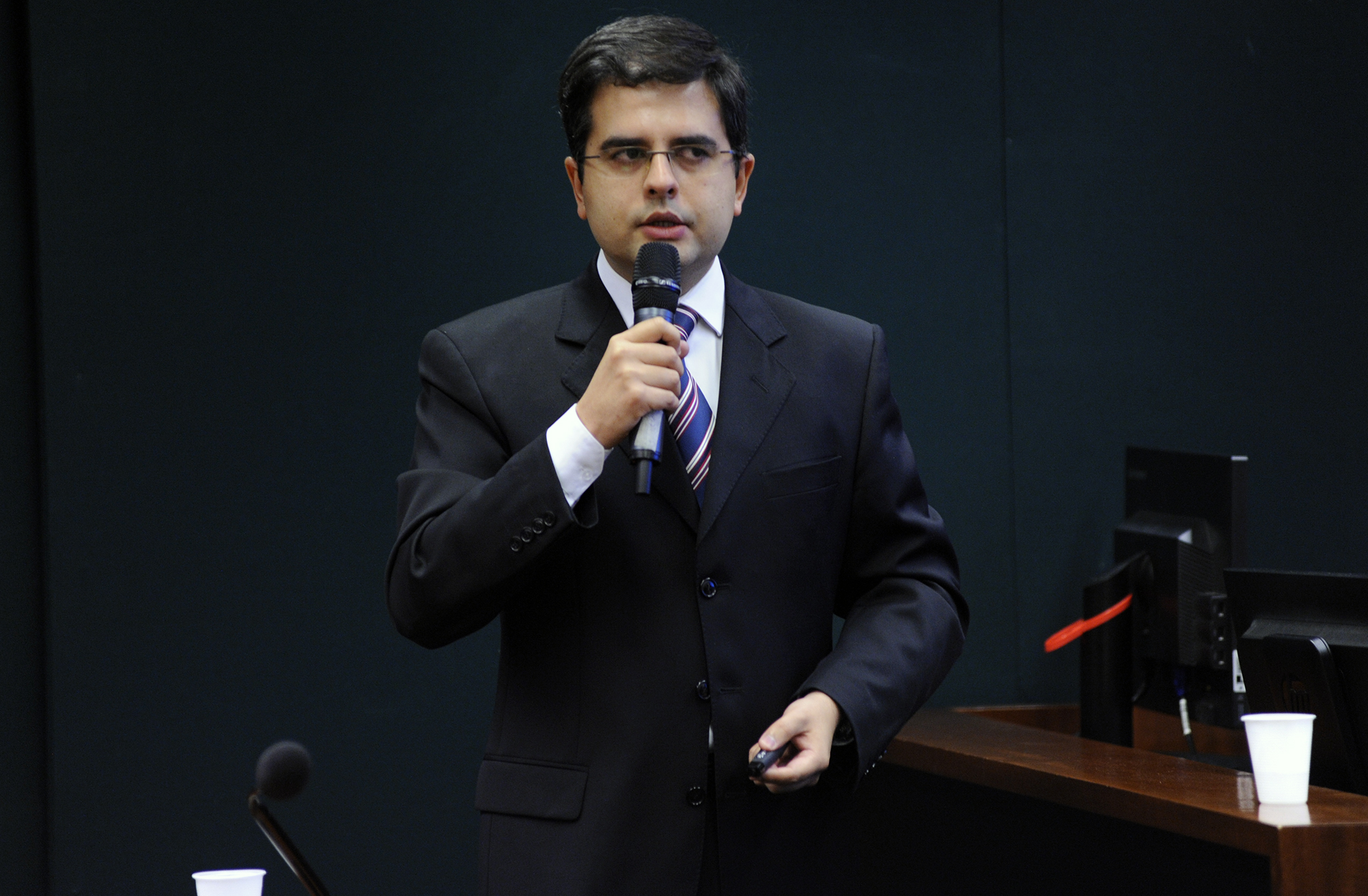 Seminário sobre o jogo Baleia Azul. Diretor Presidente da SAFERNET - BRASIL, Tiago Tavares Nunes de Oliveira