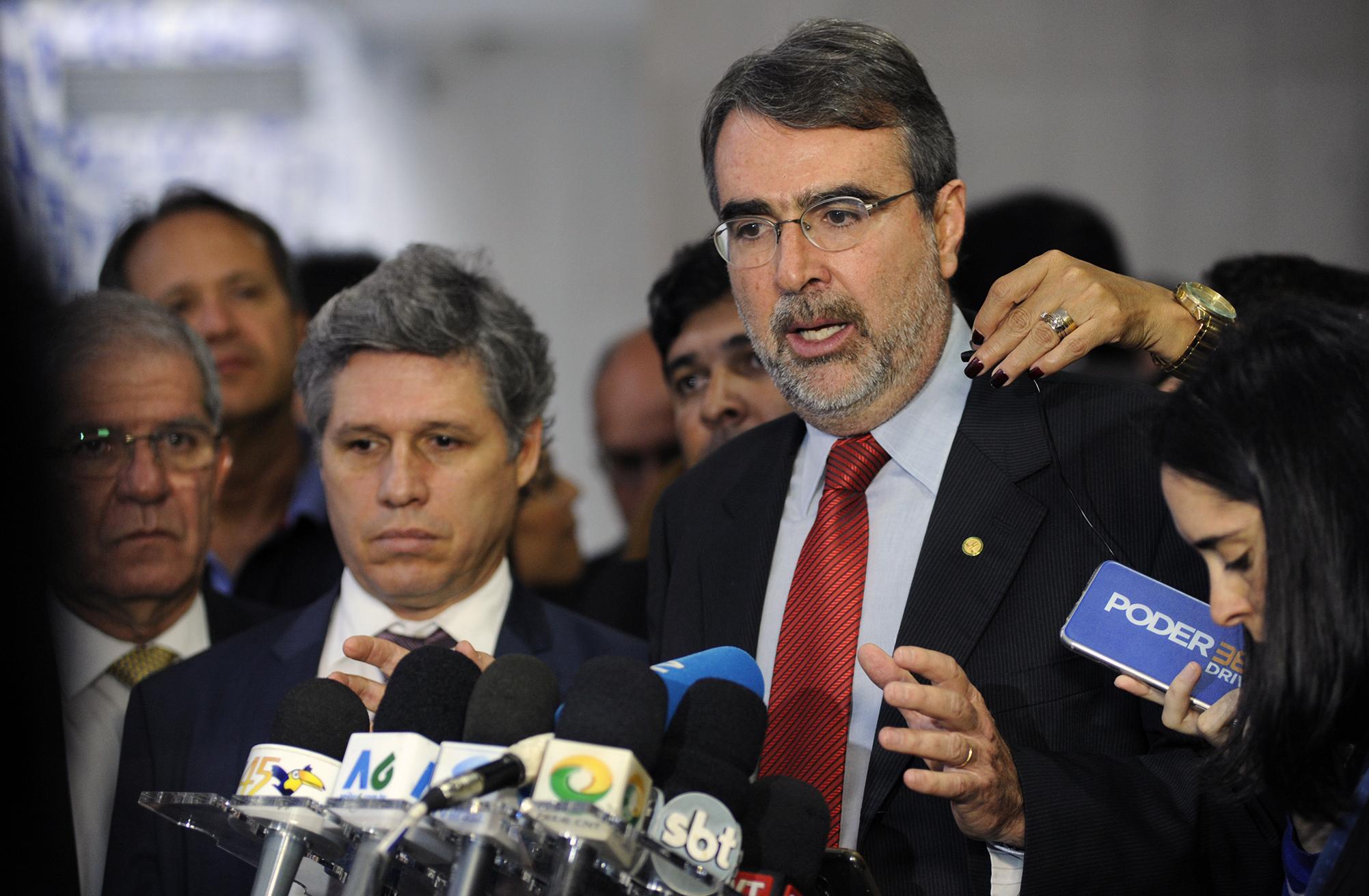 Dep. Henrique Fontana (PT - RS) concede entrevista