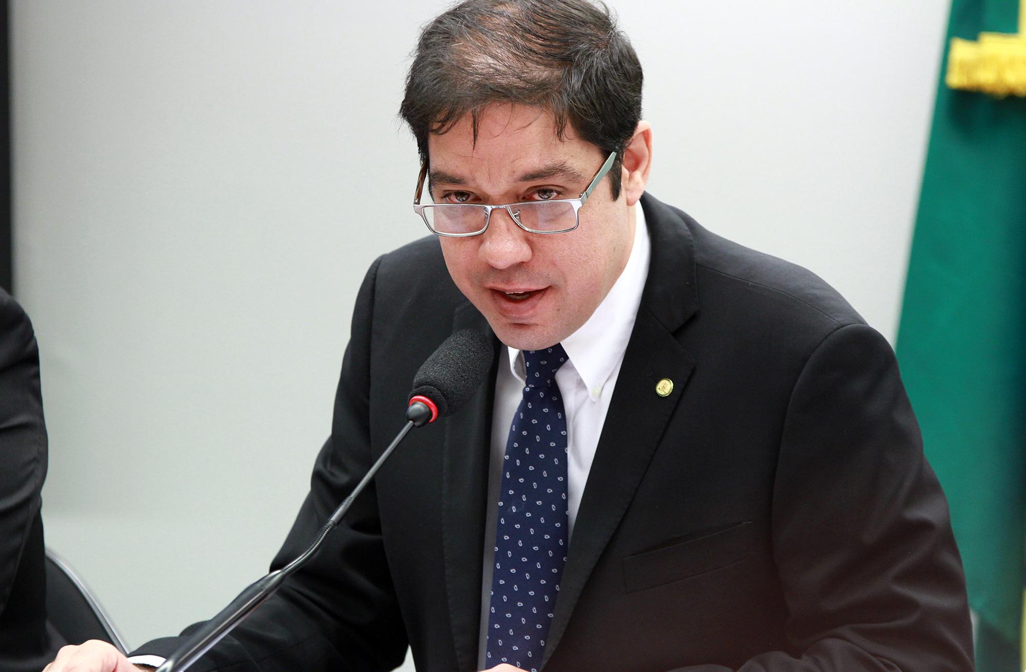 Audiência pública sobre a situação do Programa Federal de Aeroportos Regionais, inserido no Fundo Nacional de Aviação Civil (FNAC). Dep. Altineu Côrtes (PMDB-RJ)