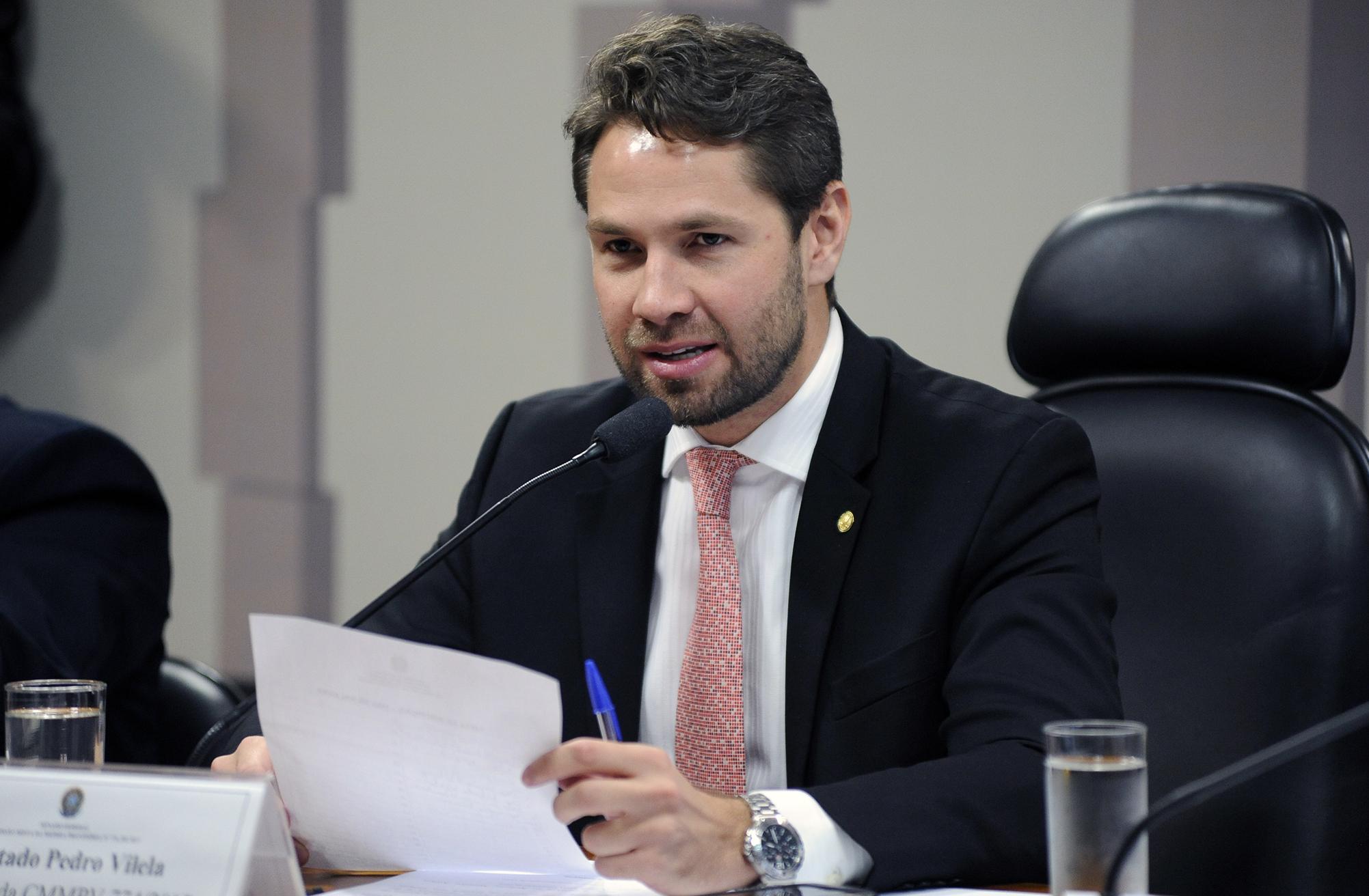 Comissão Mista sobre a MP 774/17, que trata da contribuição previdenciária sobre a receita bruta. Dep. Pedro Vilela (PSDB - AL)