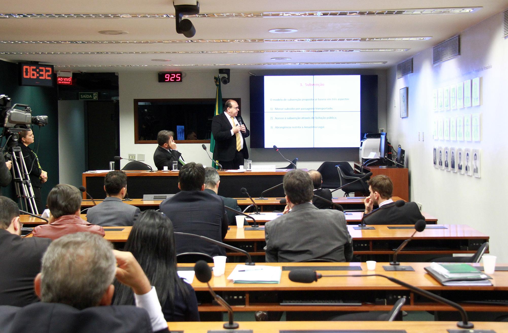 Audiência pública conjunta das comissões de Integração Nacional, Desenvolvimento Regional e da Amazônia (CINDRA) e de Viação e Transportes (CVT) para debater sobre o Programa de Desenvolvimento da Aviação Regional (PDAR), conforme o dispositivo da Lei 13.097/2015
