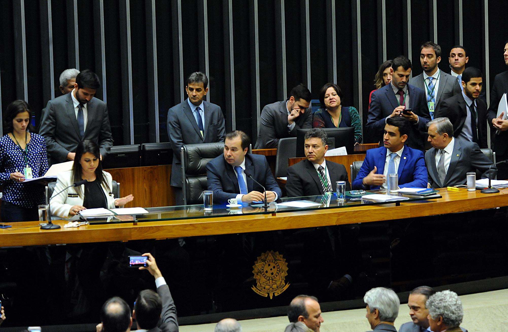 Dep. Mariana Carvalho (PSDB-RO) lê em Plenário, a denúncia encaminhada pelo Supremo Tribunal Federal (STF) contra o presidente da República, Michel Temer, por corrupção passiva