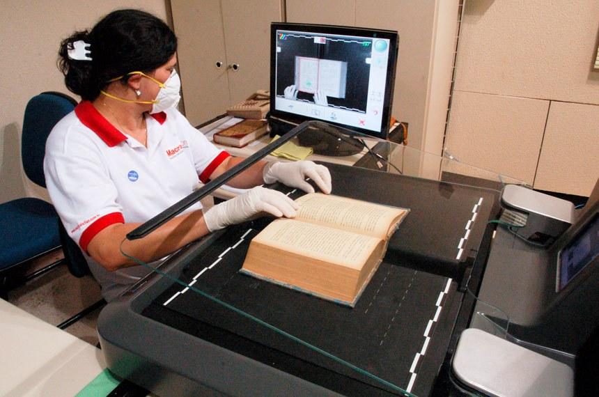 Educação - Cultura - bibliotecas - livros - conservação - Setor de restauração de obras do Congresso - processo de reconstrução de livros e digitalização